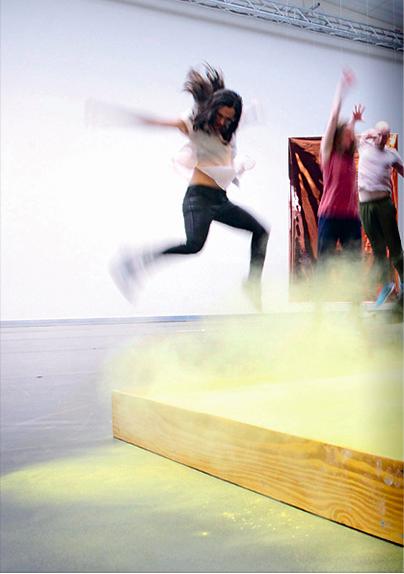 Sozialunternehmen WANN SIND WIR ALT?  Das von Diehl+Ritter konzipierte Projekt DANCE ON beschäftigt sich angesichts der Herausforderungen, die der demographische Wandel an unsere Gesellschaft stellt, seit 2014 mit dem Wert des Alters. Wie können Erfahrung und gelebtes Wissen kreativ genutzt werden? art/and erarbeitet mit dem Team von Diehl+Ritter, wie man soziale Wirkung darstellen und die Erfolge von DANCE ON für die Tanzszene wie für die Gesellschaft noch besser sichtbar machen kann.
