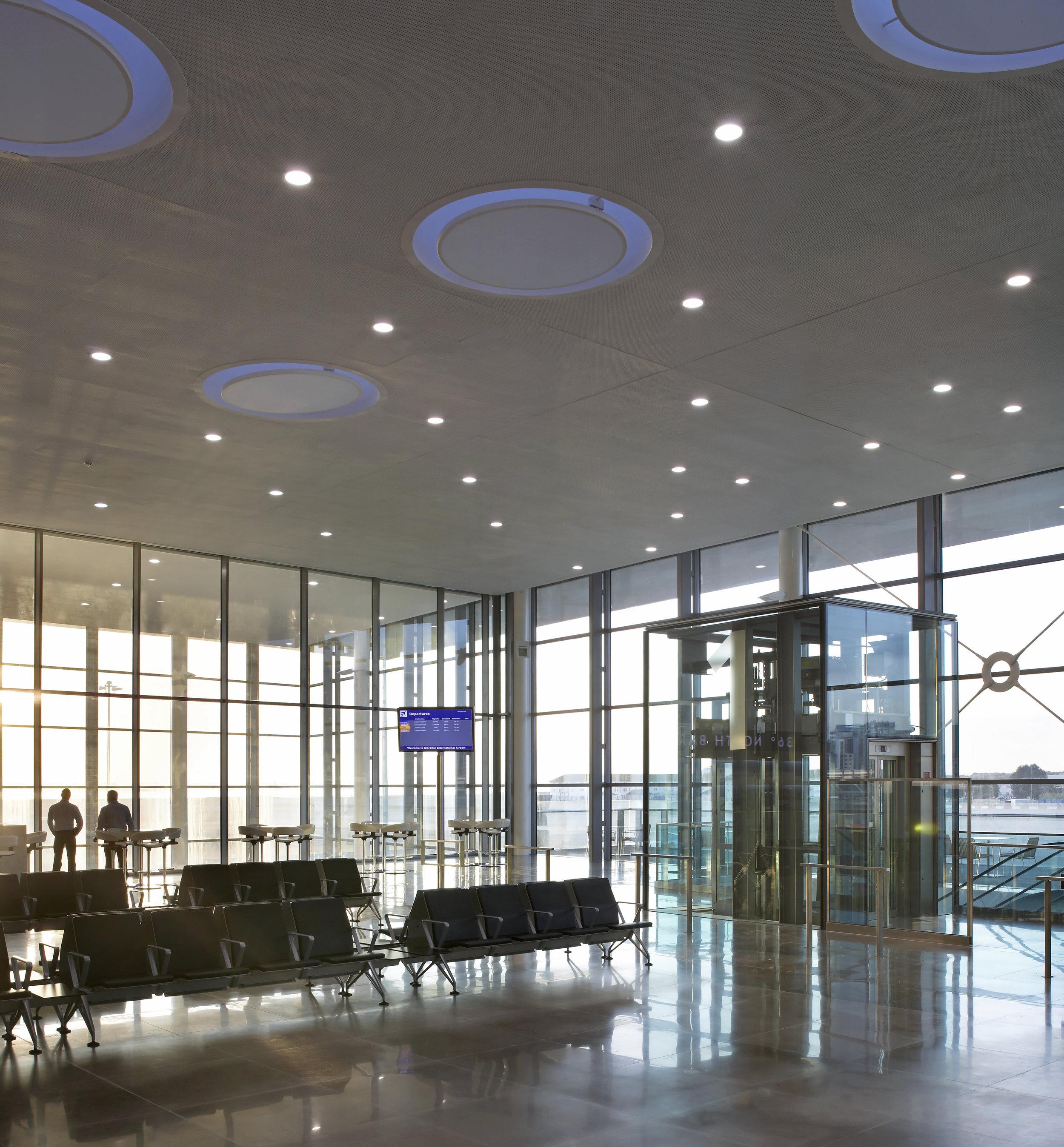 Bblur_Gibraltar Airport_-®Hufton+Crow_011.jpg