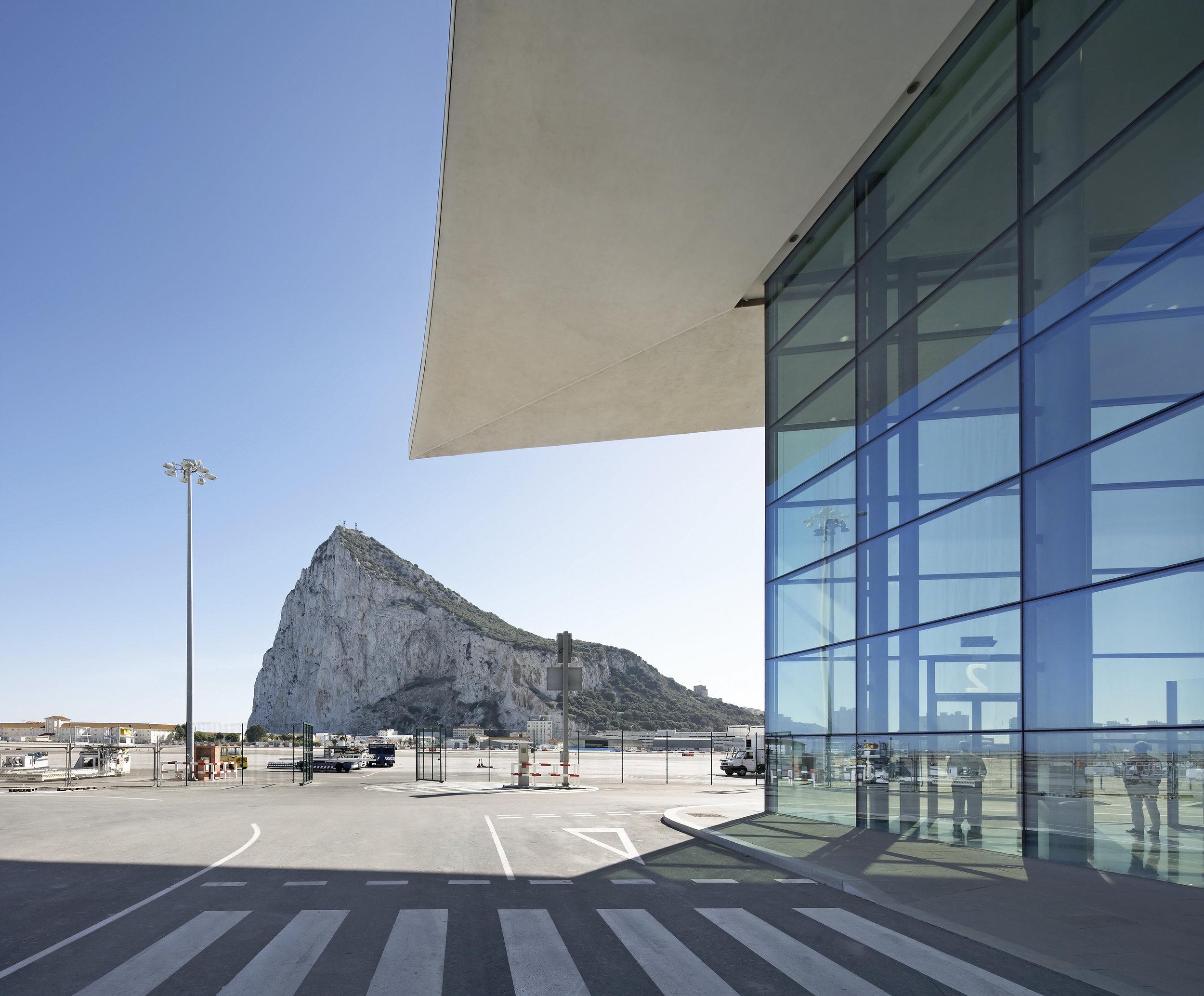 Bblur_Gibraltar Airport_-®Hufton+Crow_039.jpg