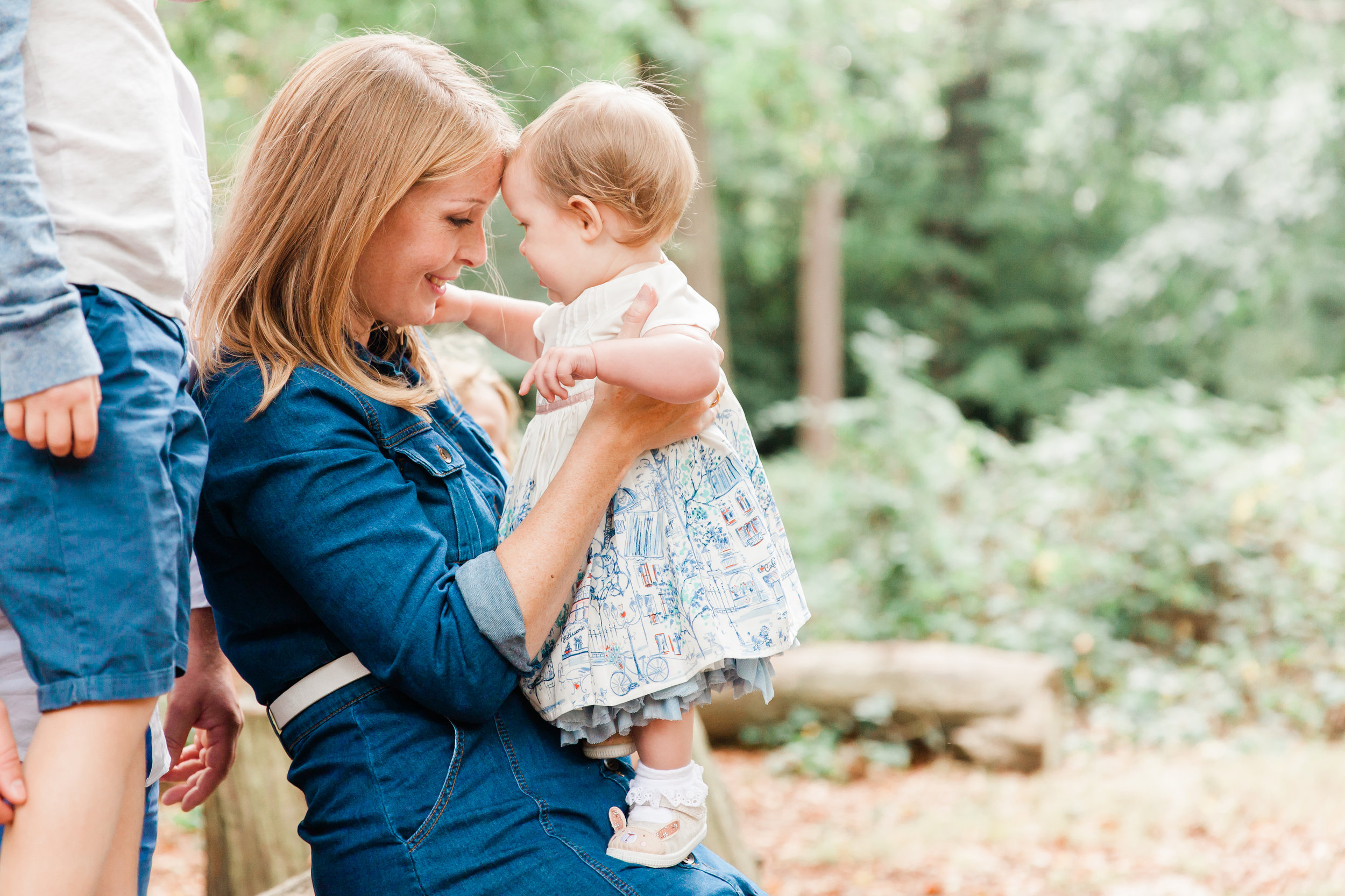 outdoors_family_photography_surrey.jpg