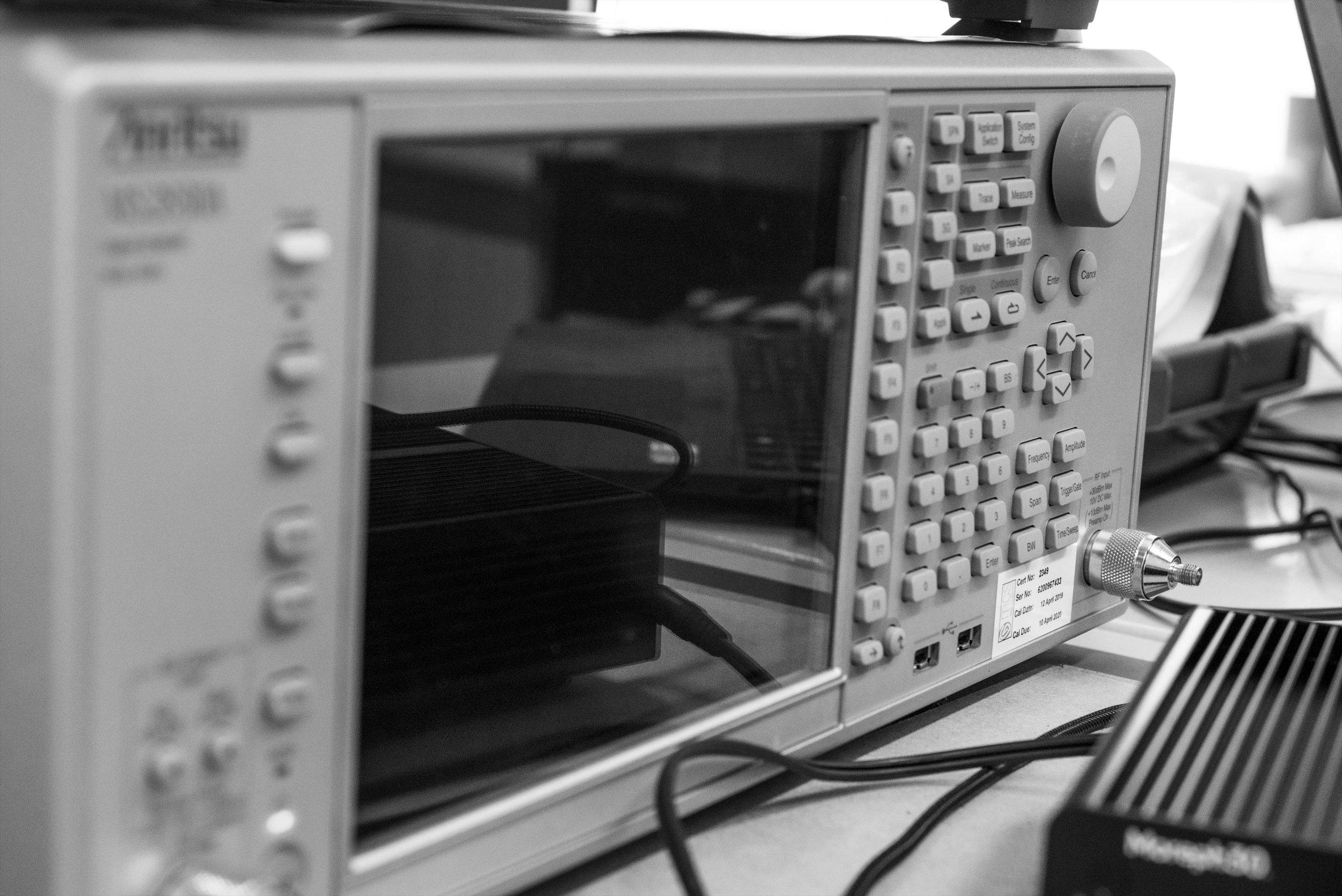 Spectrum analyser and signal generator