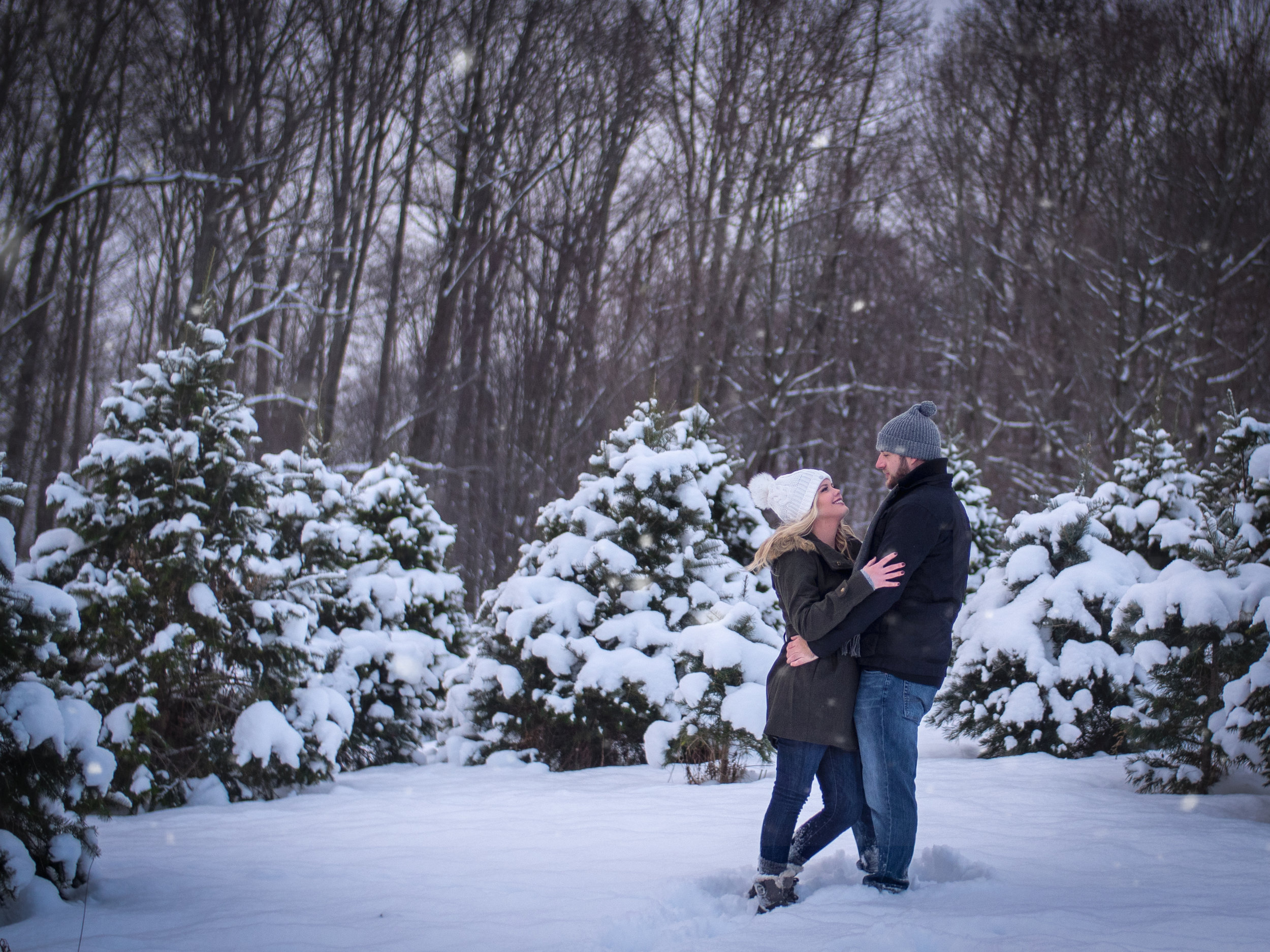 Winter snow engagement wedding morgantown