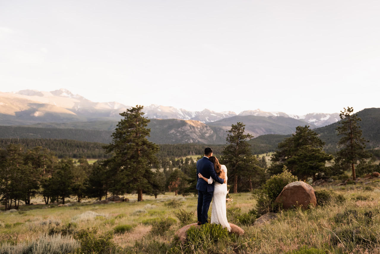 Guilt-Free Elopement in Colorado   Photos by  The Drawhorns