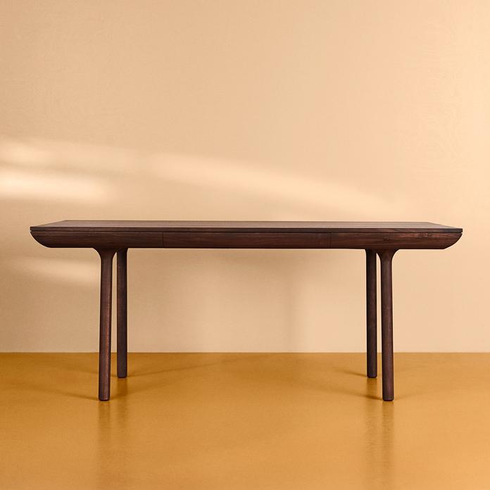 2705007-warmnordic-furniture-runa-diningtable-smokedoak-l180-01-vyellow-696x696.jpg