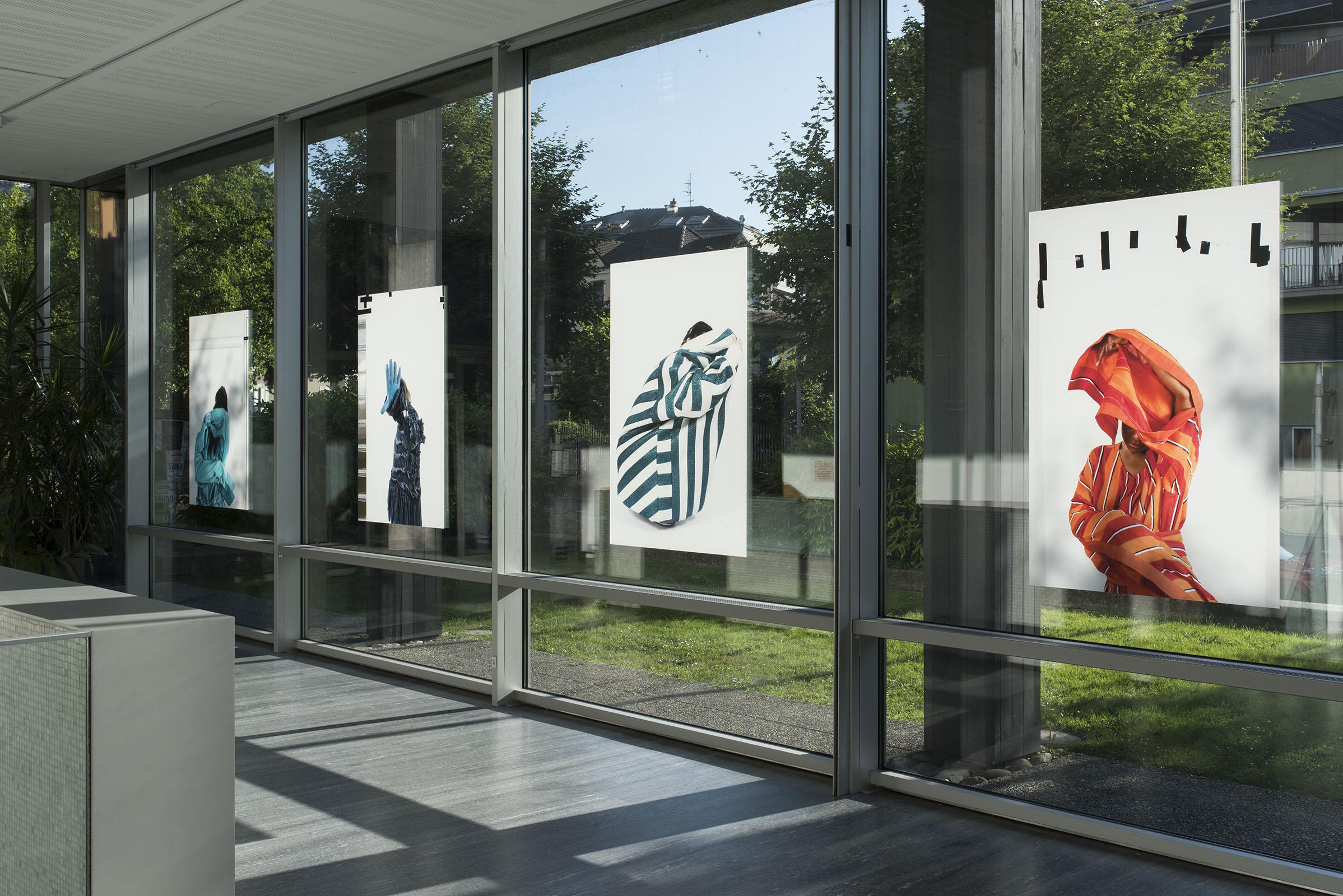 """Image of the diploma collective exhibition """"A HANDFUL OF STRANGE"""", Matei Focseneanu work """"Ici c'est l'aquarium, dehors c'est l'océan"""", Centre Doret, CEPV, Vevey, 09.07.2018"""