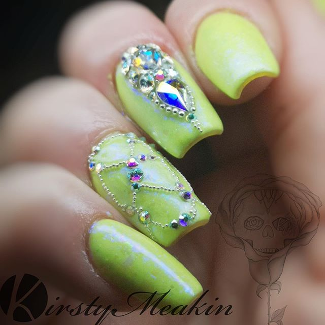 Love blinging up my nails with @bluestreakcrystals ✨ 💎 Discount code KIRSTY5 when you order ☺️ #scratchmagazine #shortnails #shortnaildesigns #gelpolish #blingnails #nailpro #instanails #nails #naildesigns #nails2inspire #nailsofinstagram #instanails #nailswag #nailart #nailsonfleek #nailstagram #nailsnailsnails #kirstymeakin