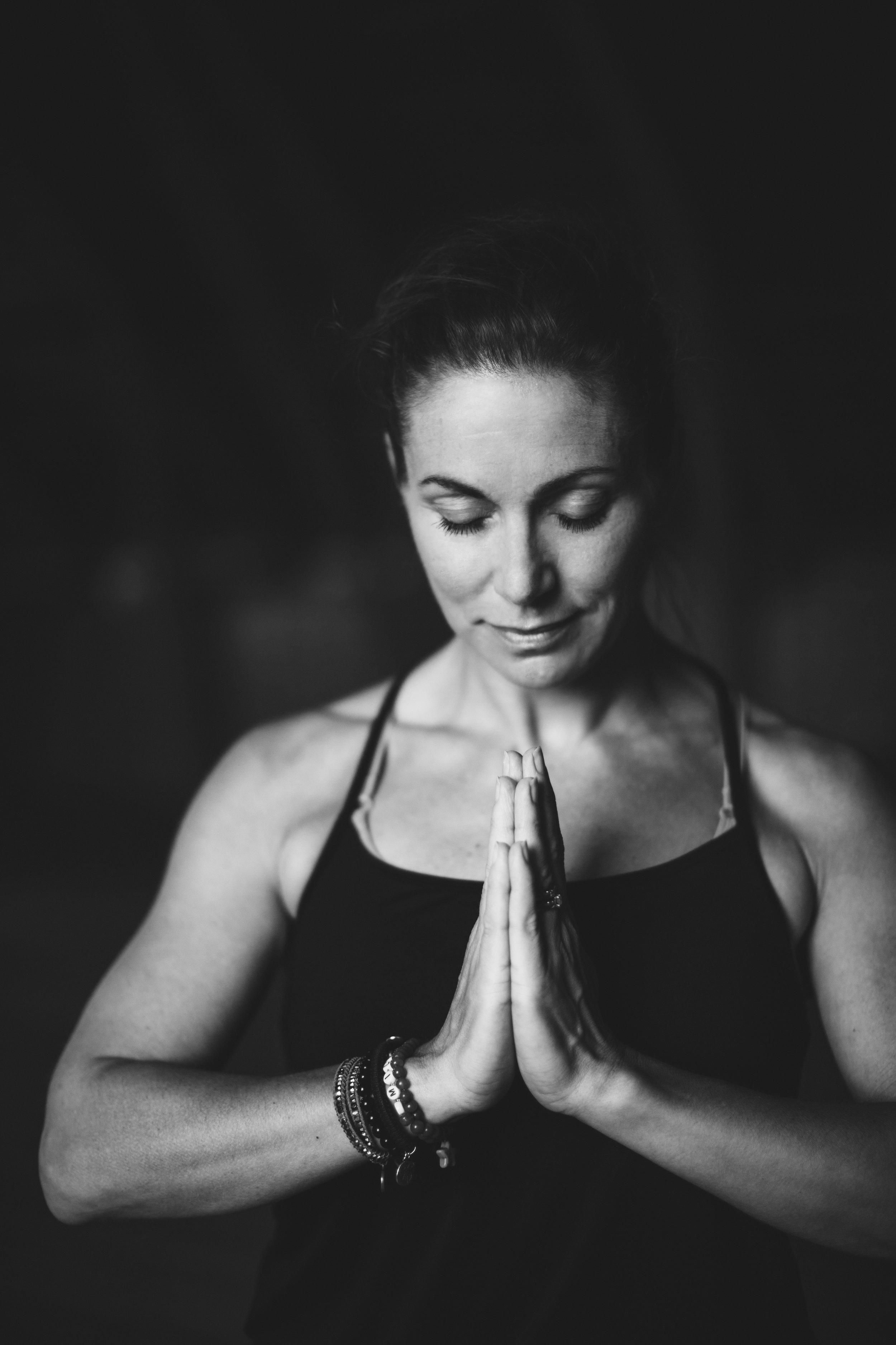 Yoga i fjällmiljö med Malin Schulz från Mountain Soul.