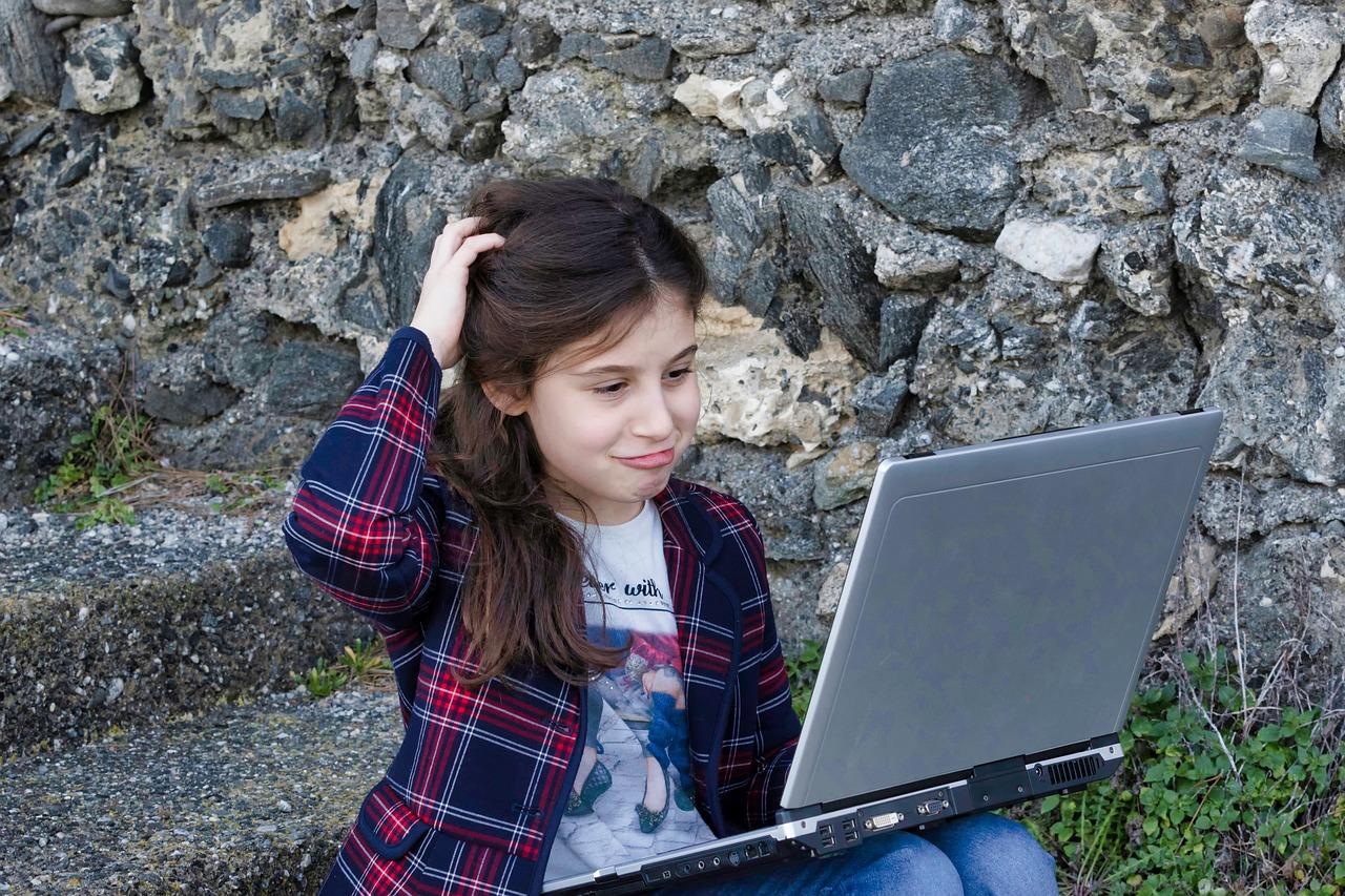 Girl Computer.jpg
