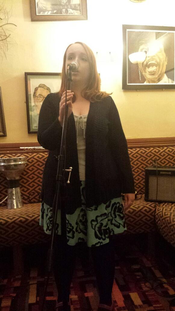 Sophie singing, unaccompanied, at the Chestnut Inn, Worcester, August 2014