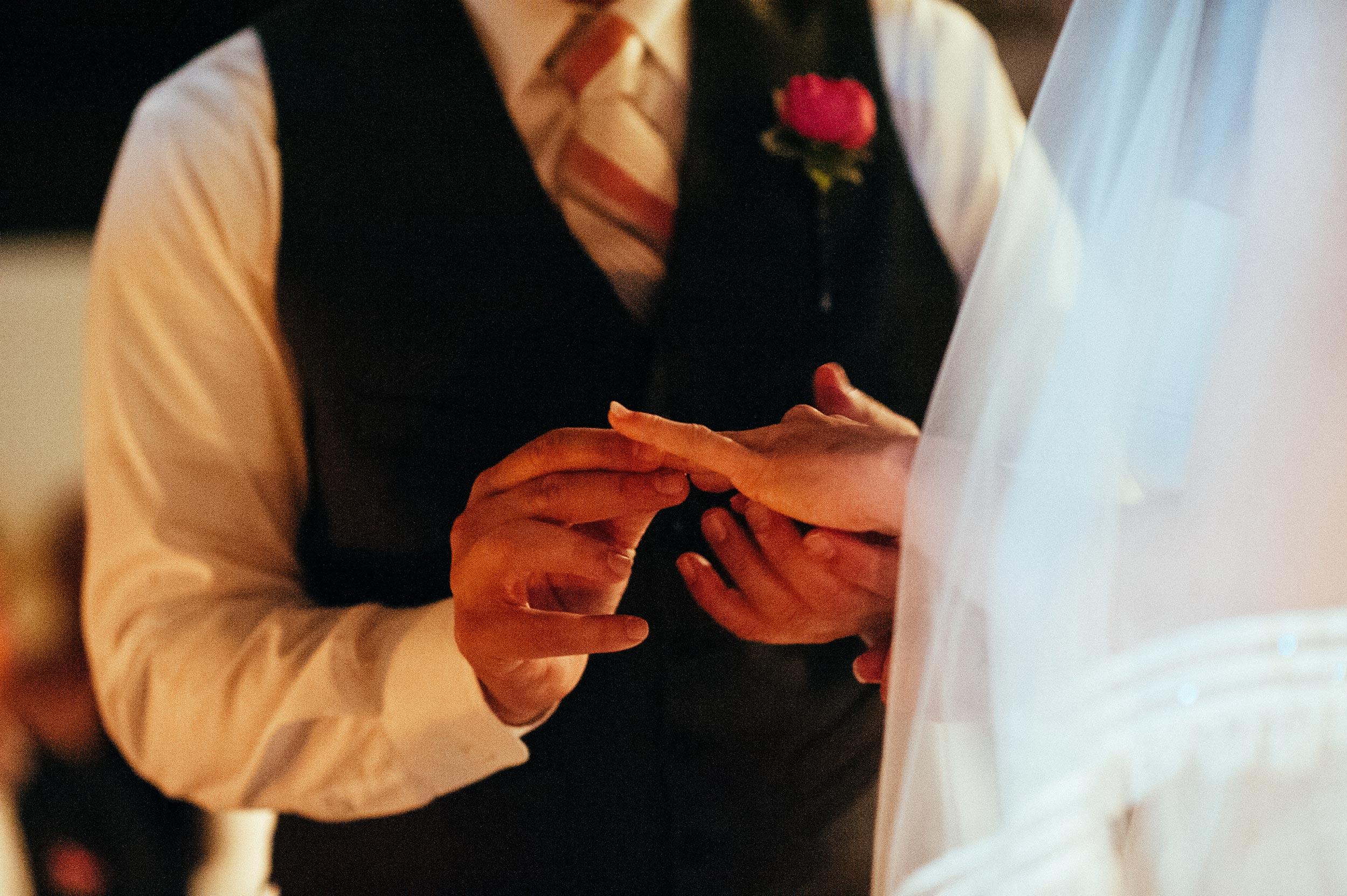 2014-Shelby-Jocelyn-Santo-Stefano-Di-Sessanio-Wedding-Photographer-Italy-Alessandro-Avenali-31.jpg