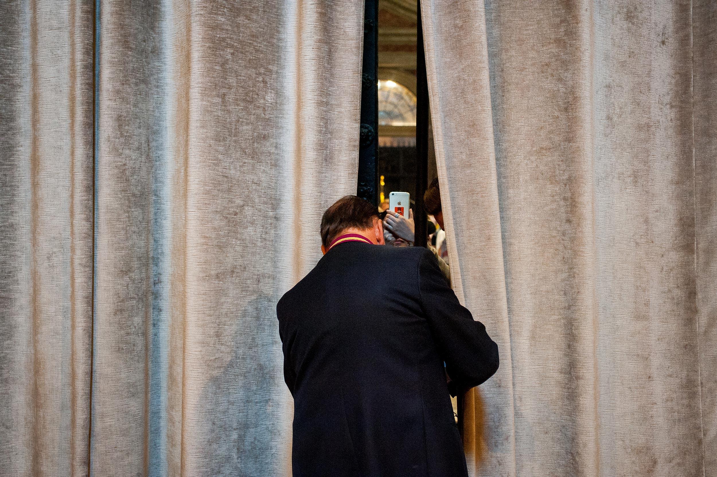 closing-curtains-st-peters-rome.jpg