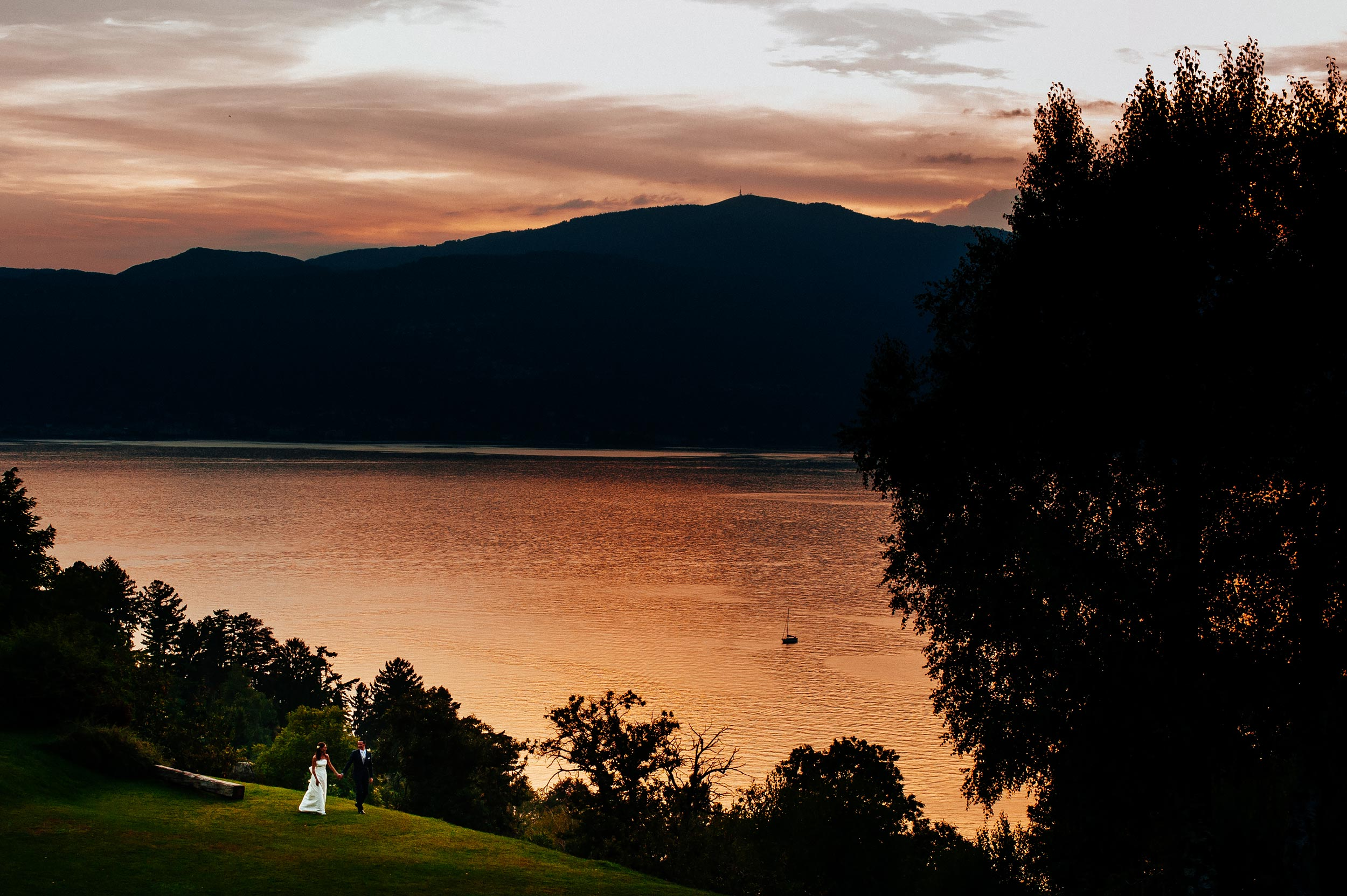lake-maggiore-laveno-mombello-sunset-wedding-photography.jpg
