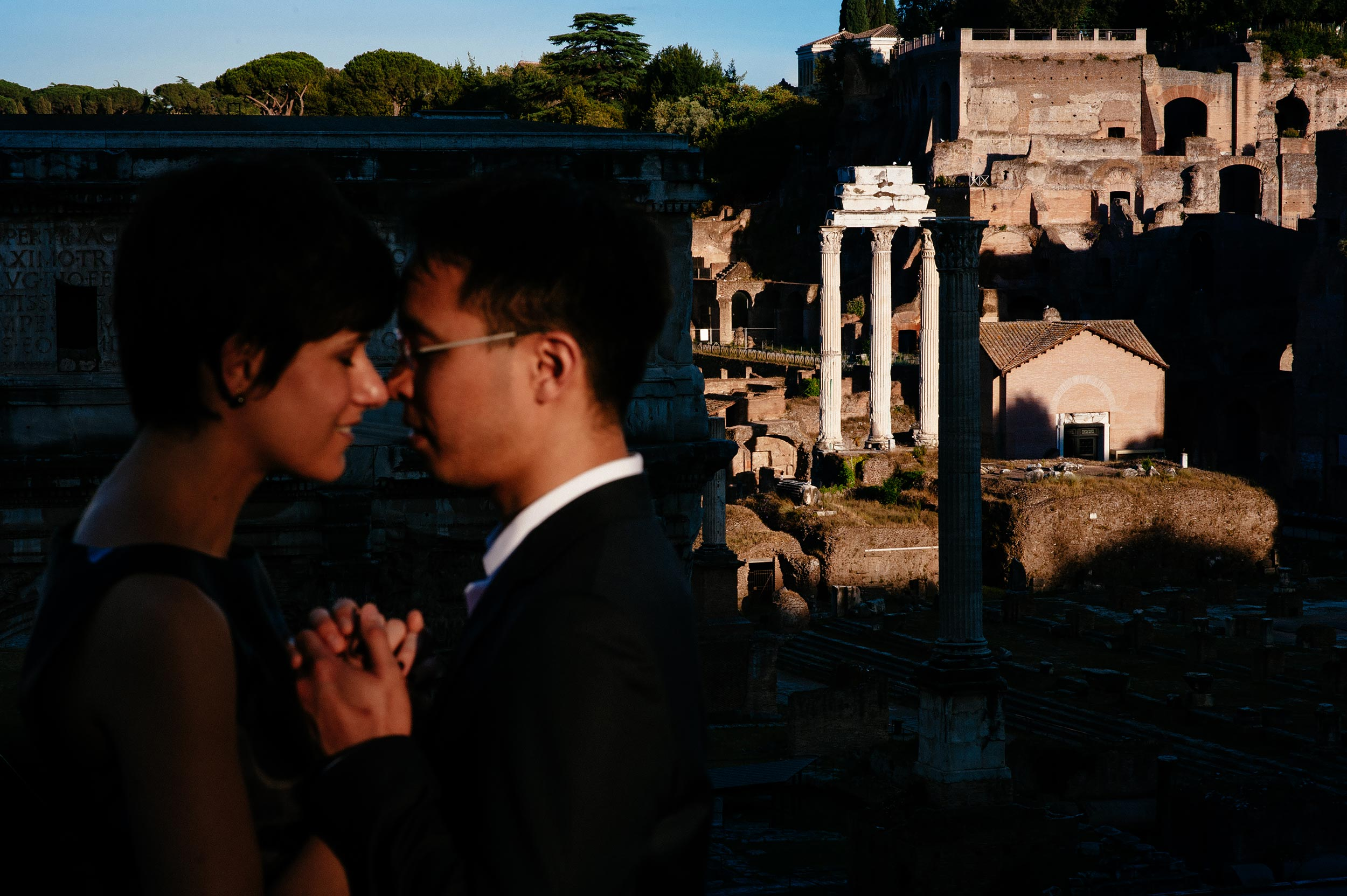 romantic-honeymoon-portrait-rome-imperial-forum-at-sunset-wedding-photography.jpg