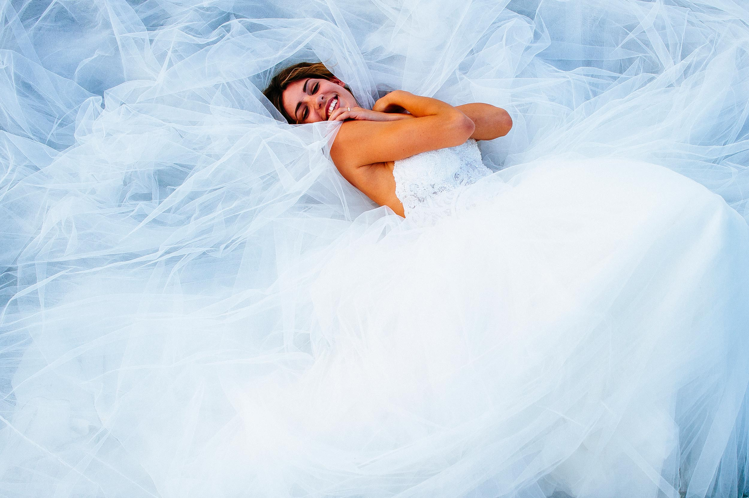 bridal dress portrait velvia color wedding photography by Alessandro Avenali