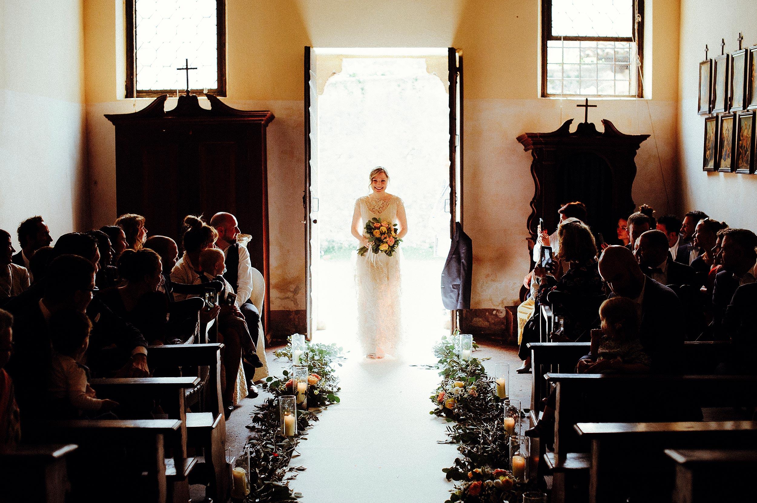 Villa Piovene Chruch The Bride Enters Wedding Photographer Italy Alessandro Avenali