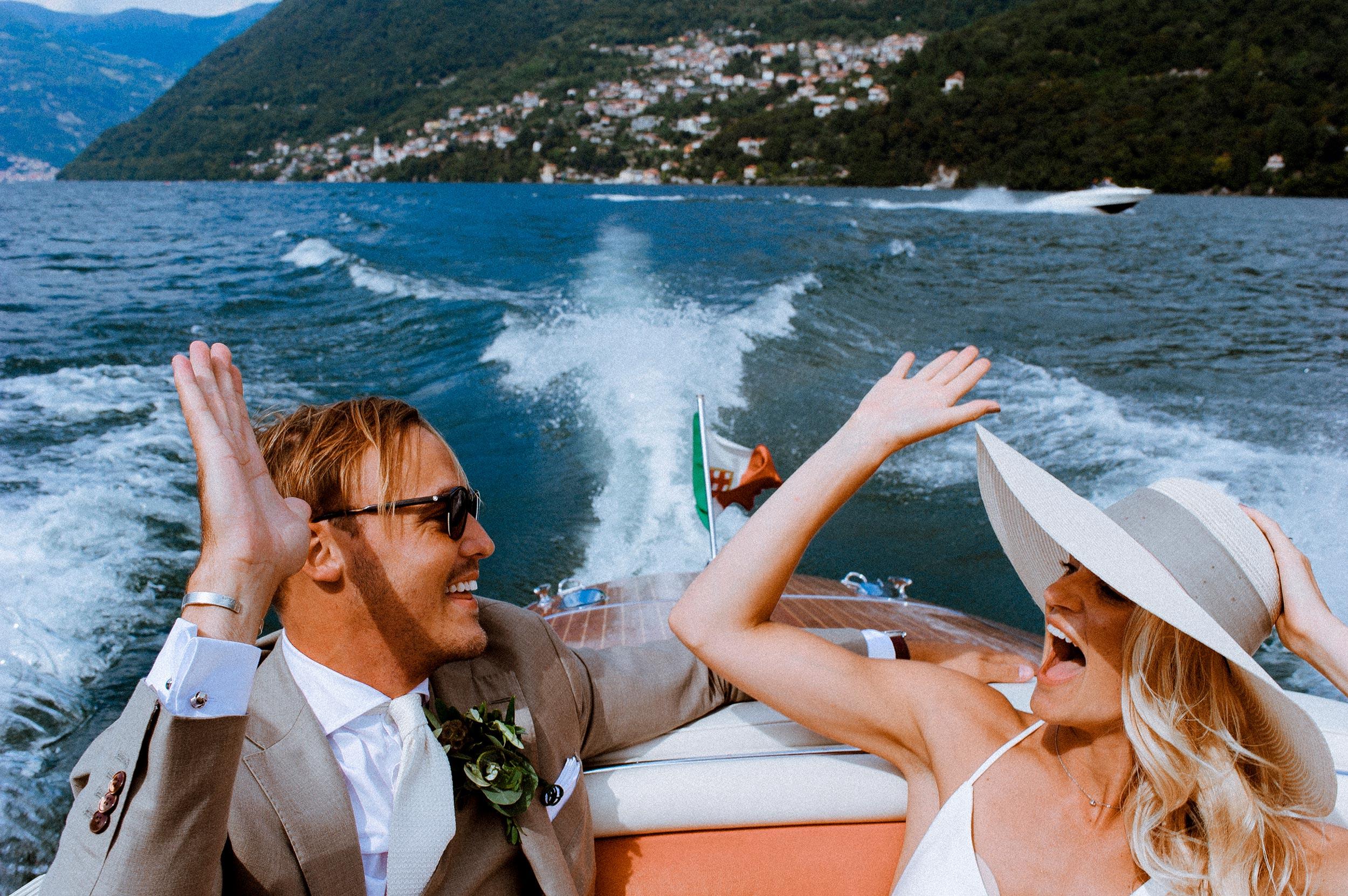 lake como boat wedding photographer italy alessandro avenali