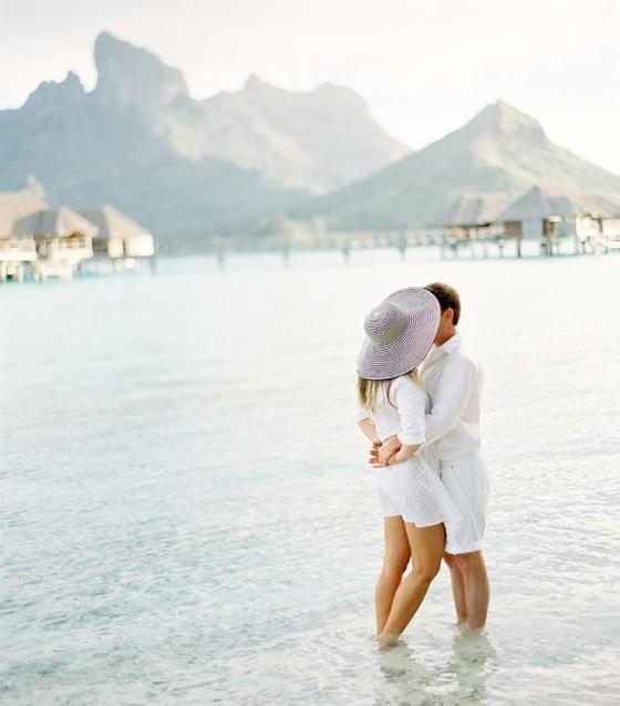 Honemoon-Couple-Tahiti.jpg