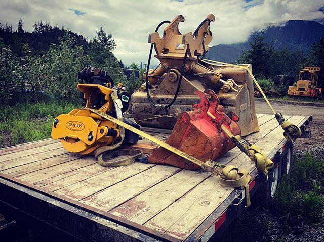 Tools of the trade #wristy #diggy #grapply #joydiggers