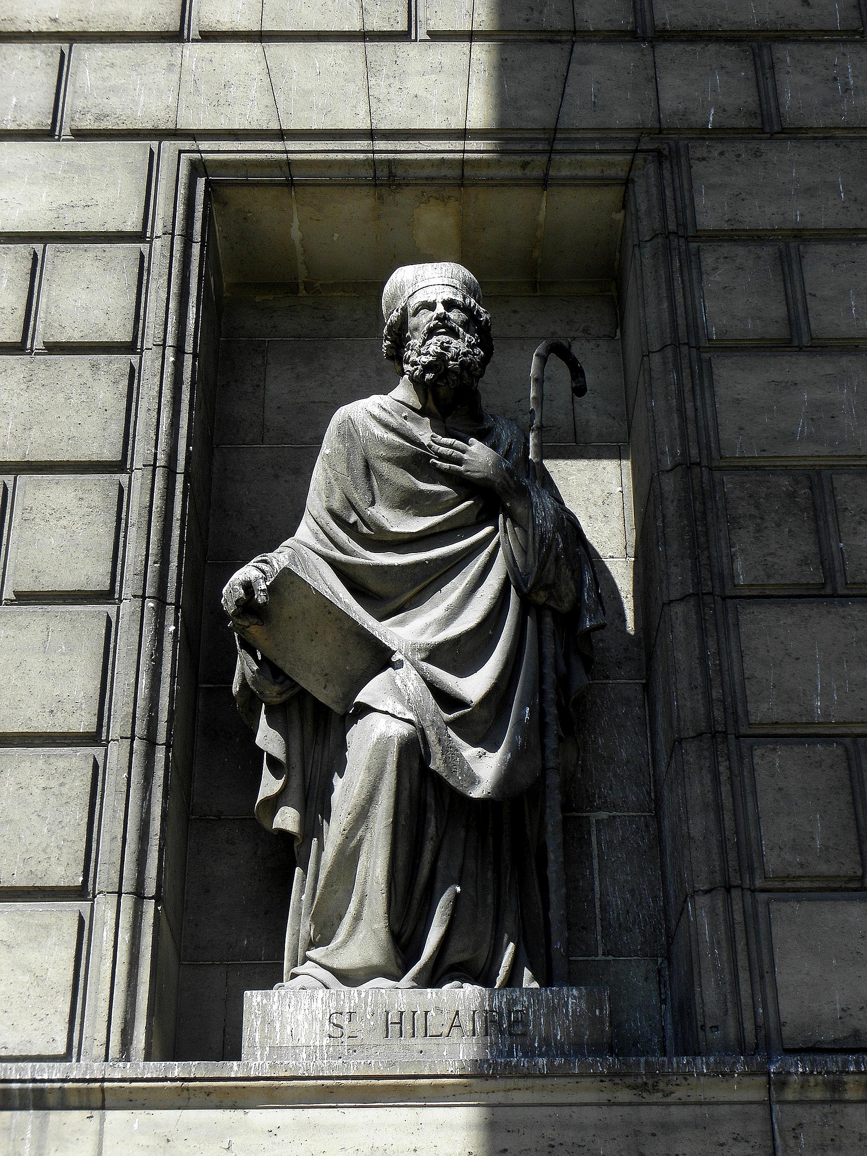 Paris_(75008)_Église_de_la_Madeleine_Extérieur_Statue_04.JPG
