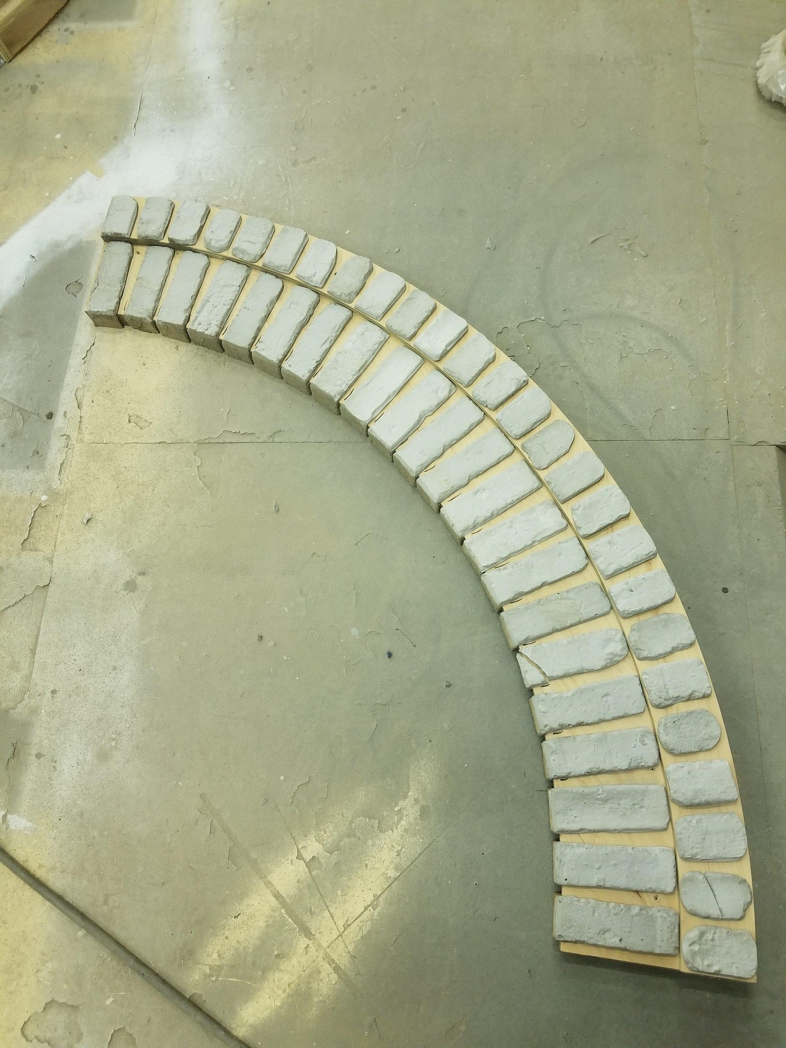 Arch way brick mold