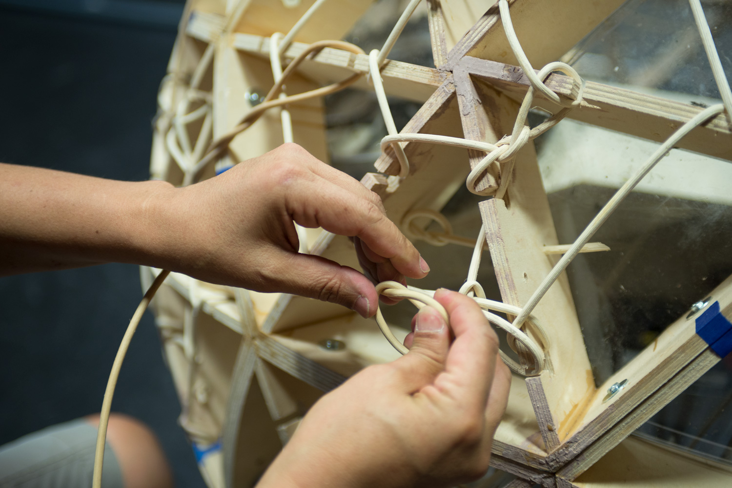 TZ'IJK.1. Weaving basketry reed to support clay skin.
