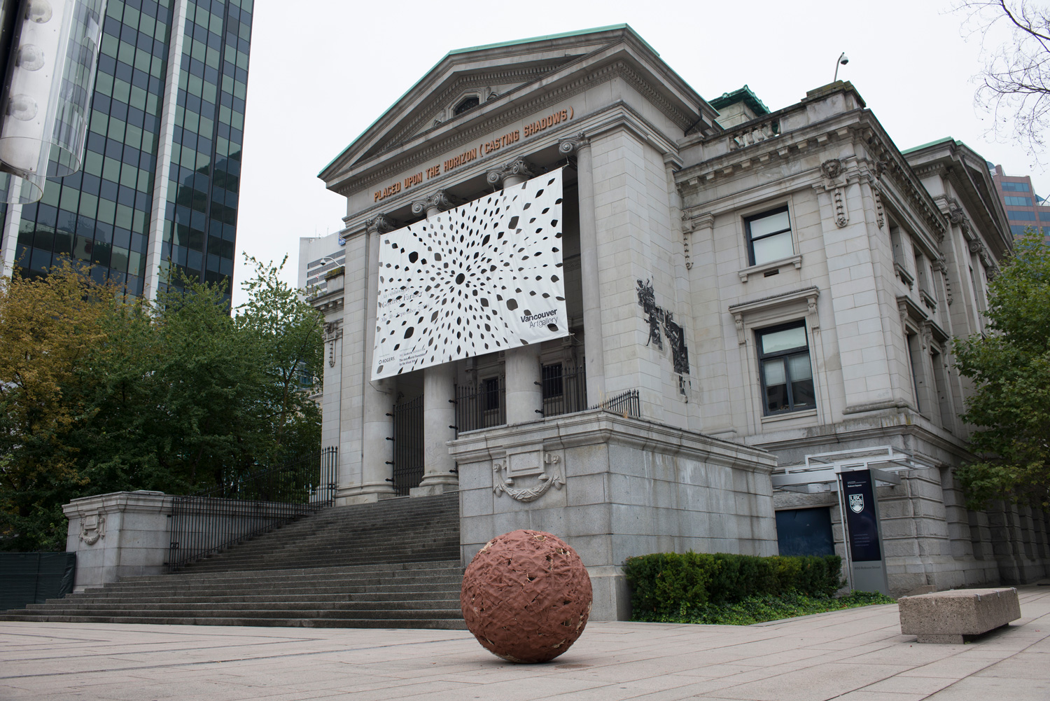 TZ'IJK.1.   Finished robot installed at the Vancouver Art Gallery.