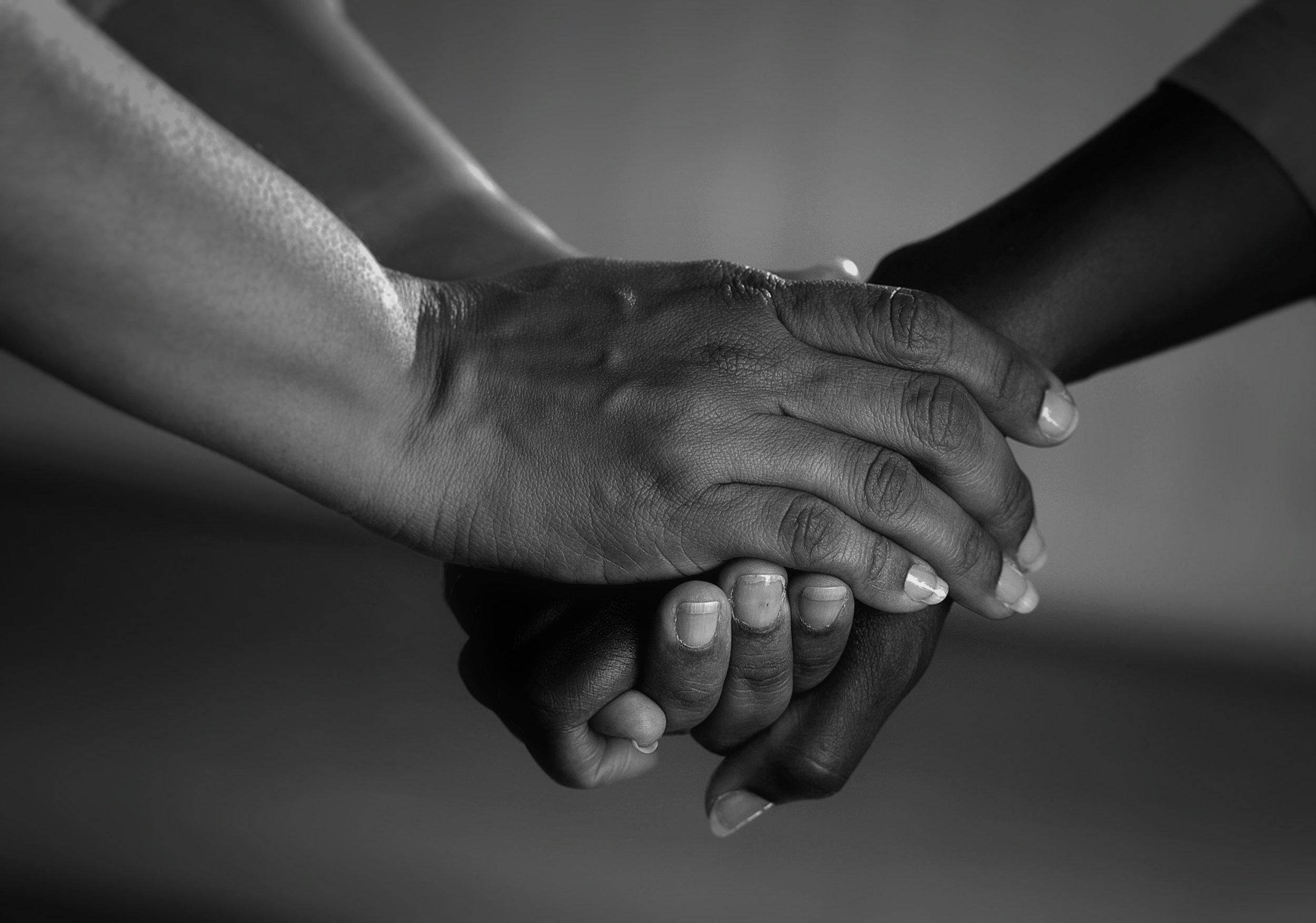 care-hand-hands-45842_Fotor.jpg
