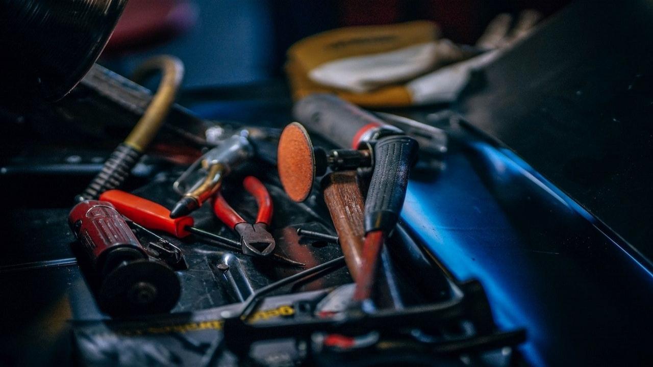 car-repair-services-1280-compressor.jpg