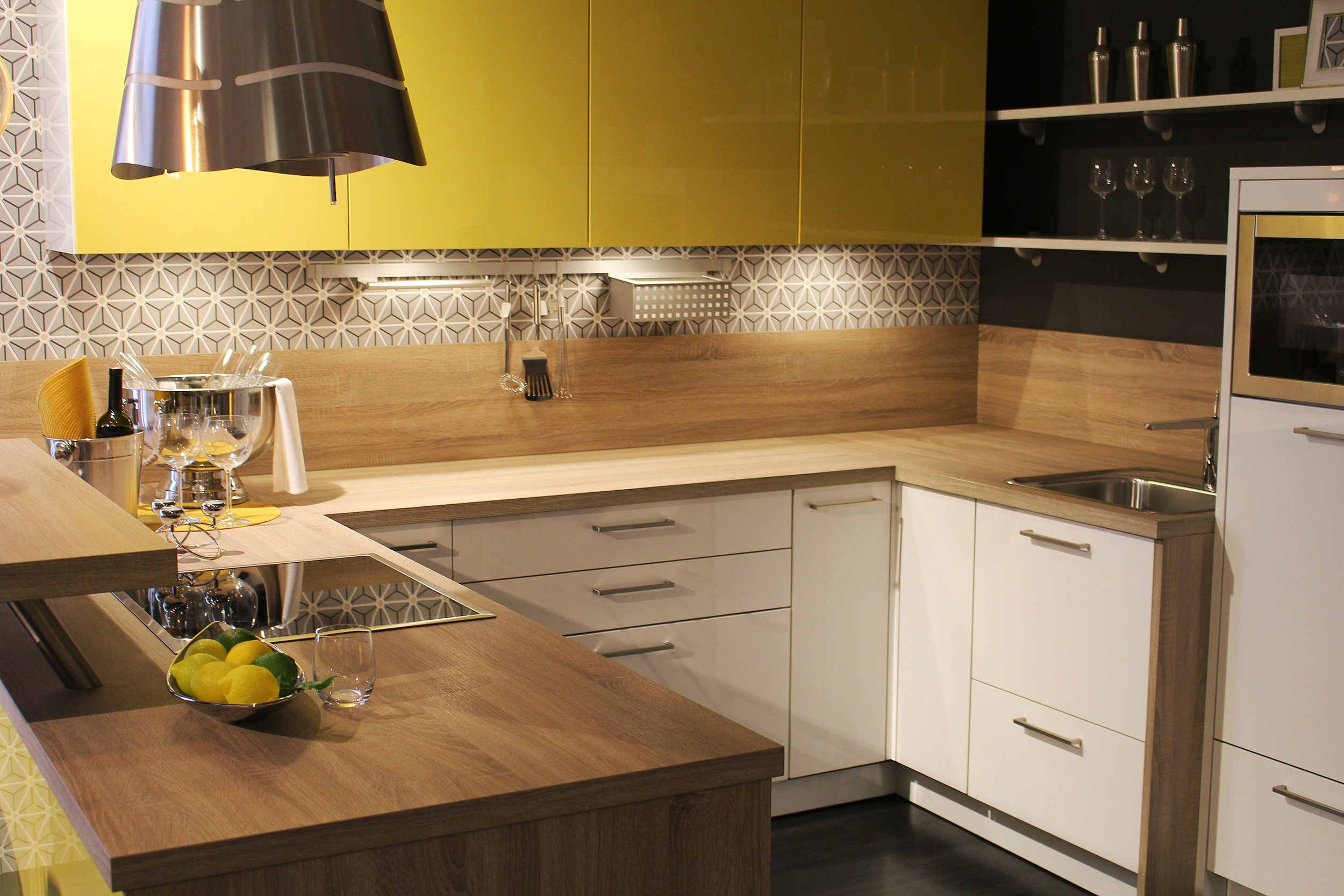 wood-floor-home-decoration-food-cottage-886149-pxhere.com.jpg