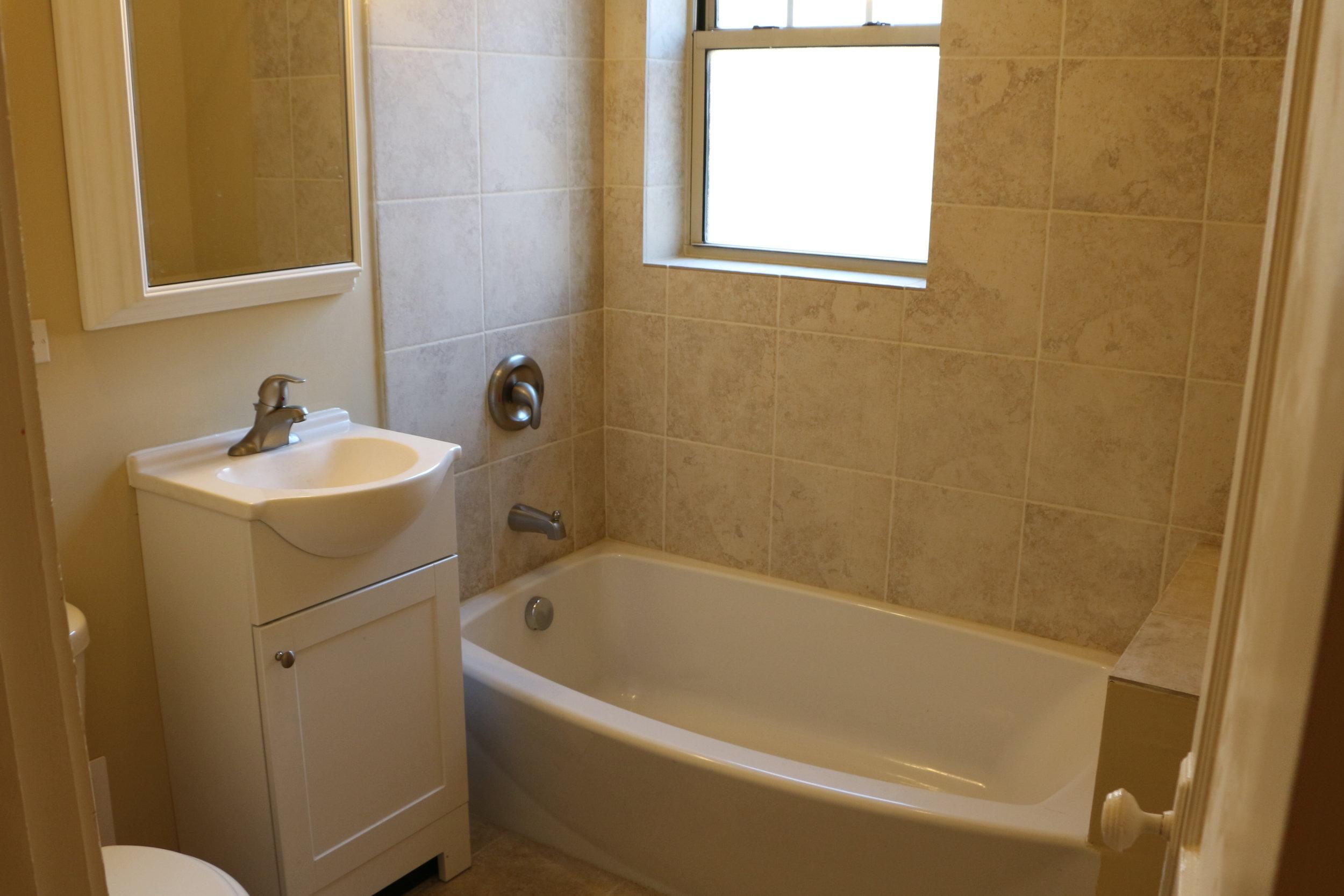1004 29 Bath.JPG