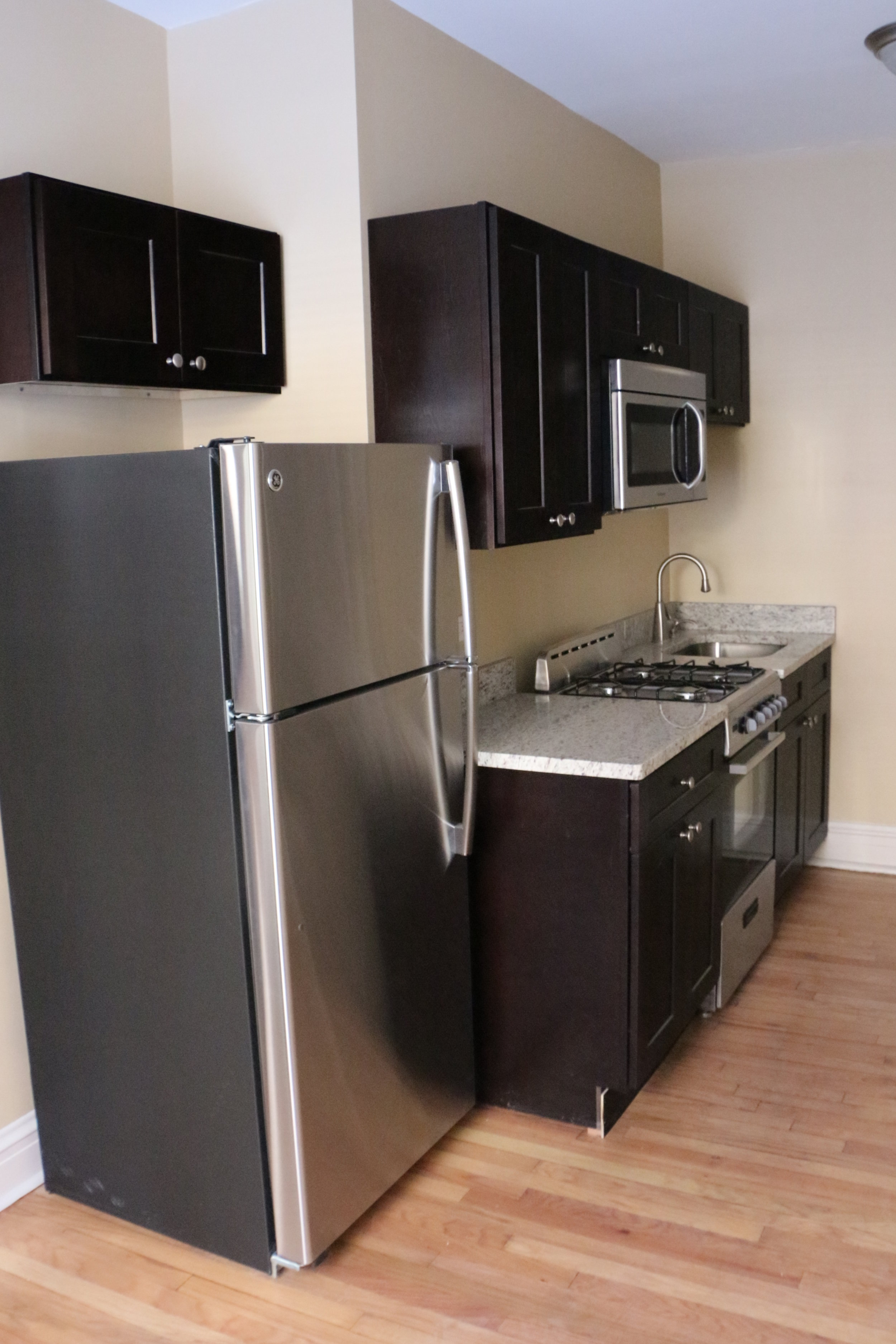 1006 North 8 Kitchen.JPG