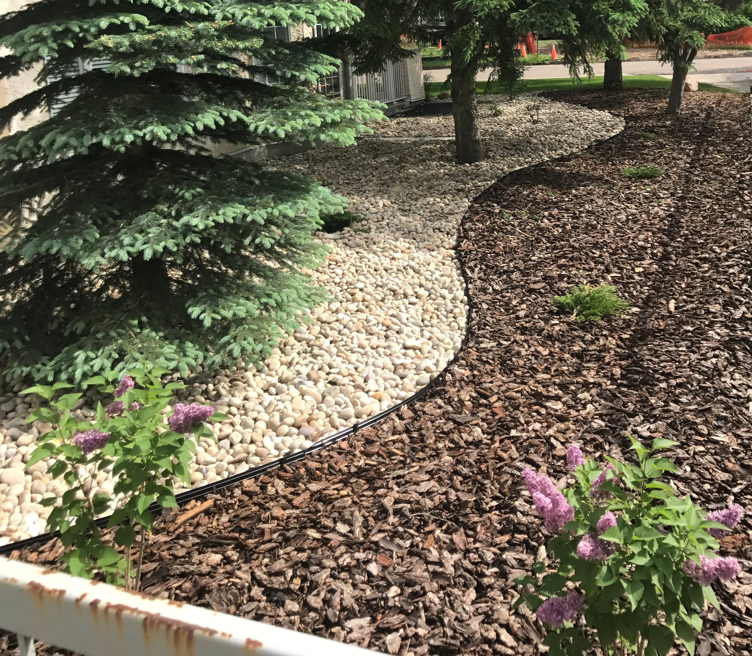 mulch and rock bed installation