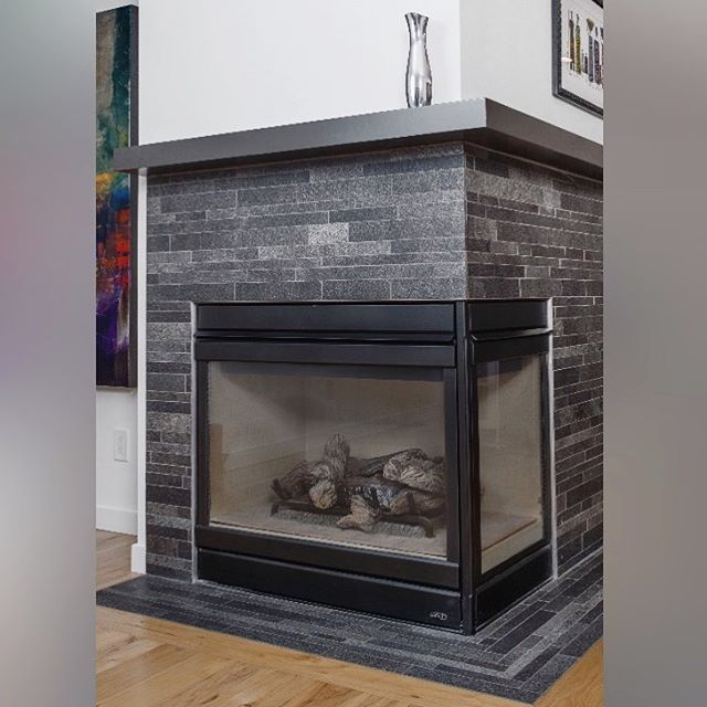 With the days growing shorter and colder, winter is the optimal season to enjoy the warmth and light of a fireplace in your home. Like the look? Ask us about our tile and quartz fireplace options!
