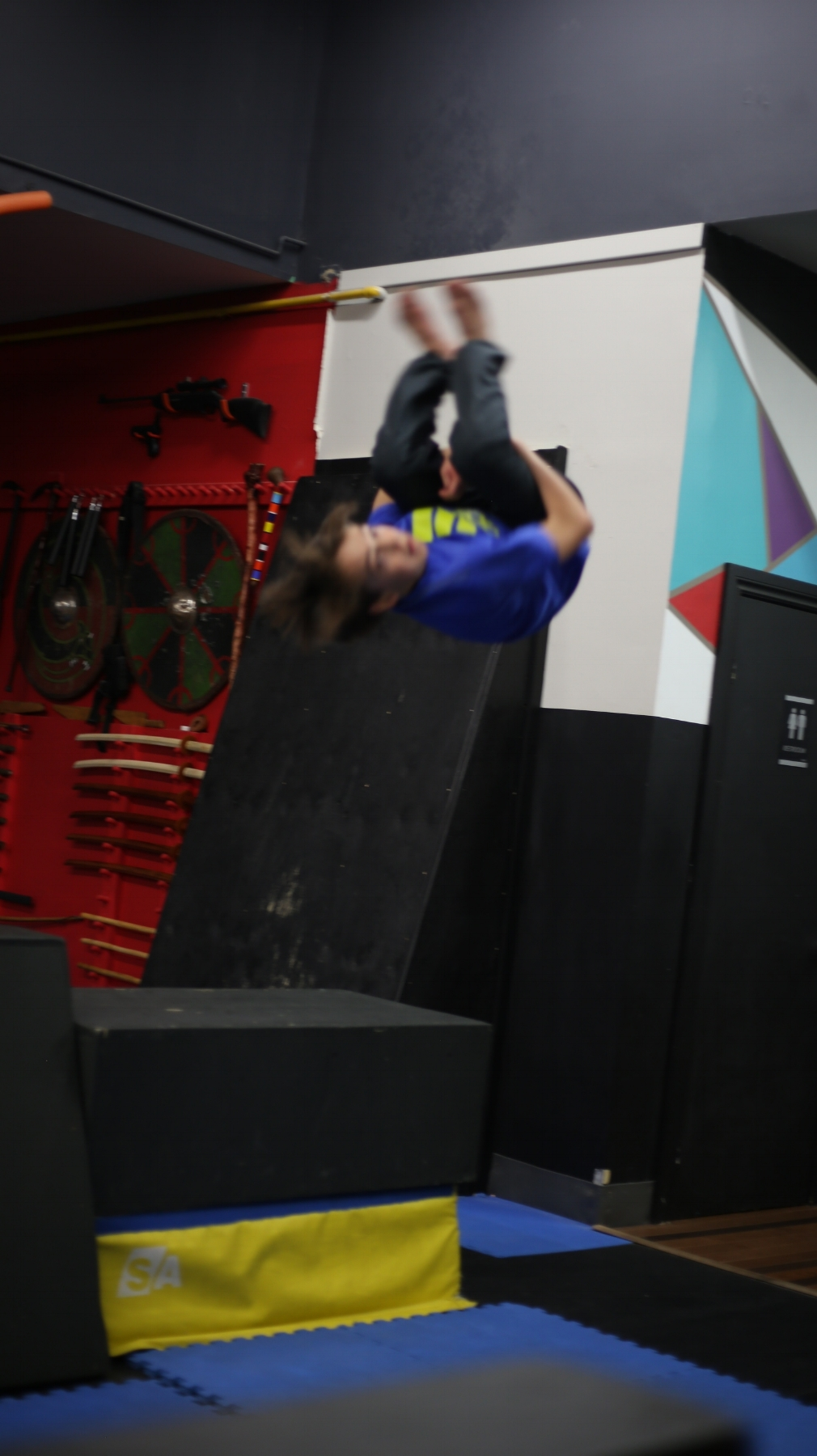advanced pk  Students learn more difficult Parkour skills and advanced Parkour safety techniques including how to dive roll, roll out, precision landing, flow with ease, climb, jump from heights, and vault an obstacle safely using a variety of advanced and intermediate vaults. Advanced participants also benefit from physical fitness and strengthening exercises.