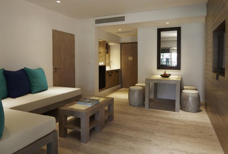 Evason One/Two Bedroom Suite - Living Room
