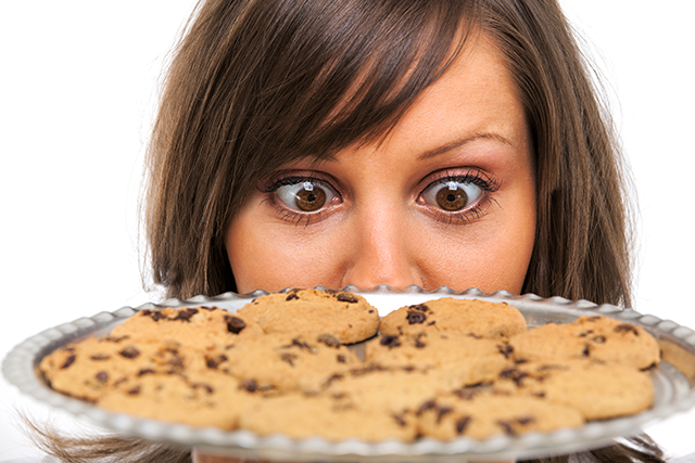 woman-tray-of-cookies-willpower-shutterstock_269254979-640x427.png