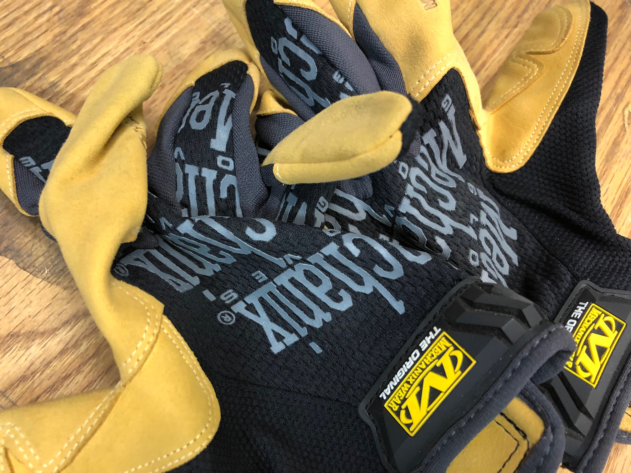 Mechanix (Gloves)