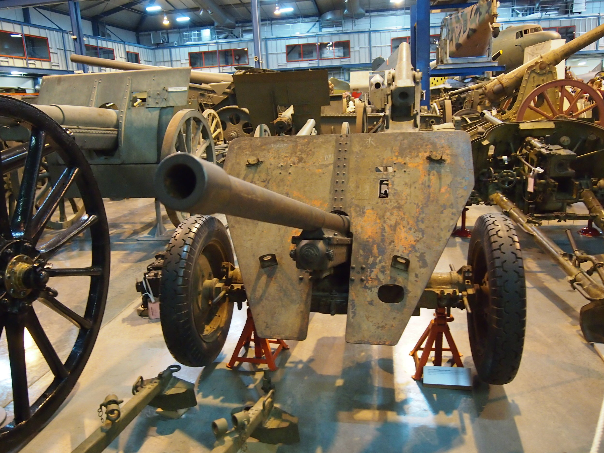 Anti-Tank Gun at the Treloar Technology Centre (Australian War Memorial annex)/ Photograph by Nick-D (Wikimediacommons)