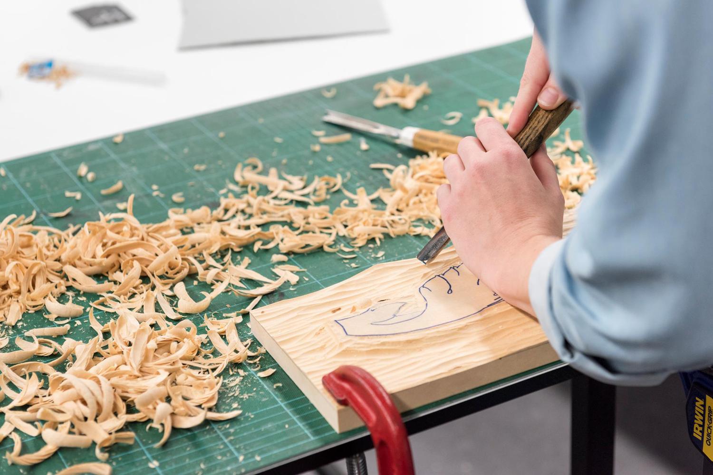 Anastazja Harding nails wood carving at the 2018 Rare Trades Summer School