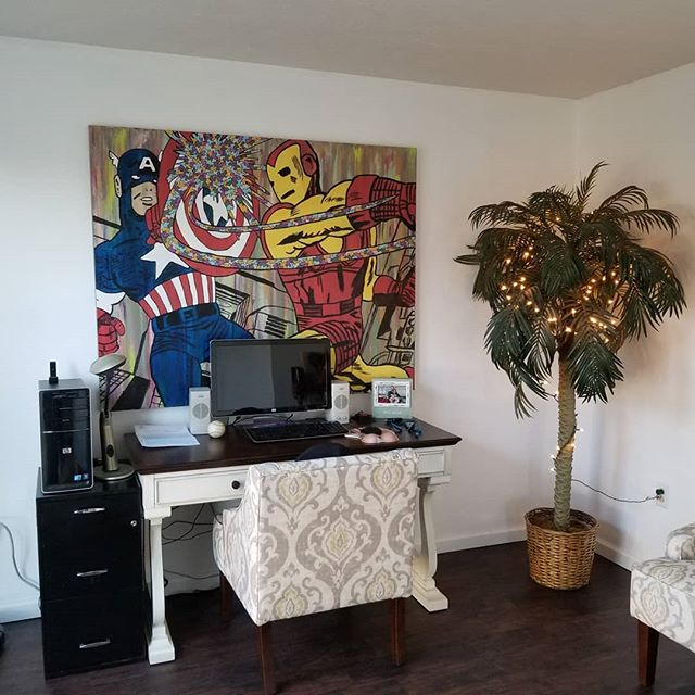 It's always cool to see a piece of #artwork in it's new #home !  #Abstract #Popart #art #artistoninstagram #Pittsburgh #pittsburghartist #pghart #Artist #multicolor  #latex #marveluniverse #marvelcomics #aboriginal #canvas