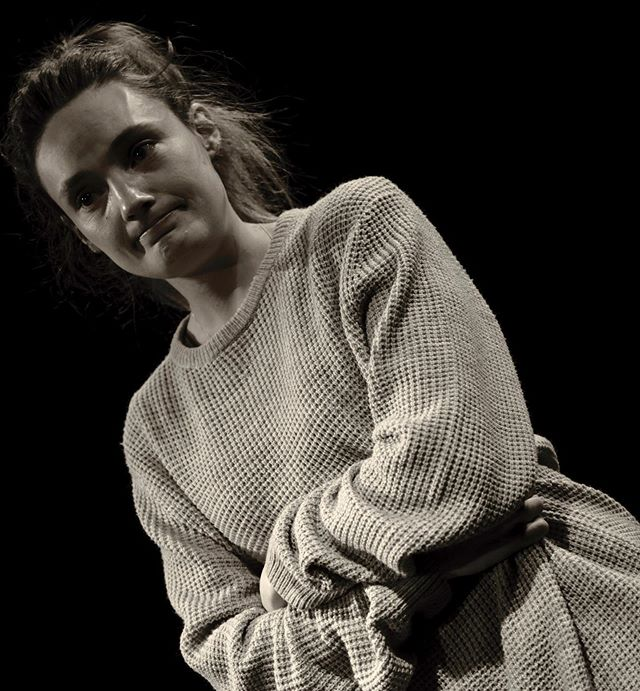 "Far Cry Theatre - ""Hold on for happiness"" written by @gabriellelily and directed by @elizbenbow at Far Cry Scratch 2 (19/05/2019) @landutheatre. Performed by @claireelowrie. Photography by @samuelle_d 😊⭕️ #farcrytheatre #theatre #newwriting #actor #actress #monologue #scratchnight #actorslife #performer #fringetheatre #theater #acting #stage #screen #director #writer"