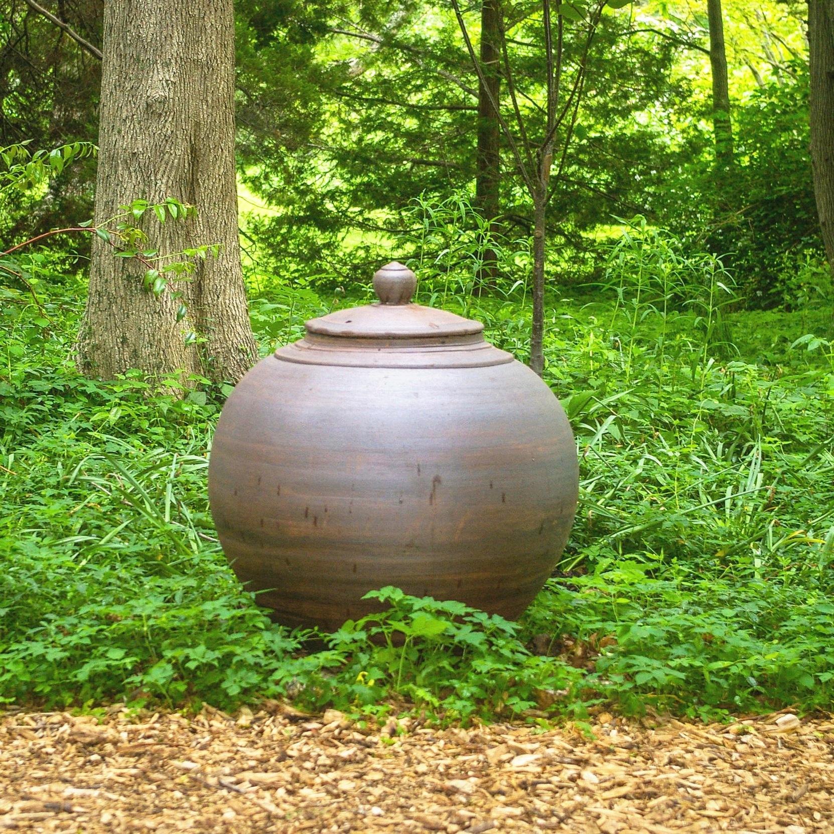 Buddha belly vessel