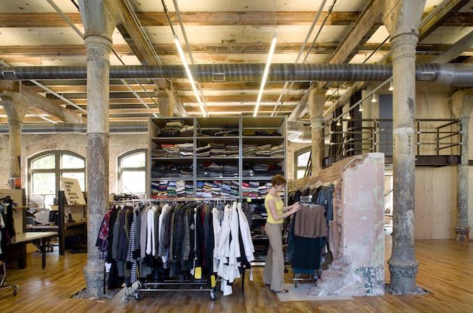 Showroom-Urban-Outfitters.jpeg