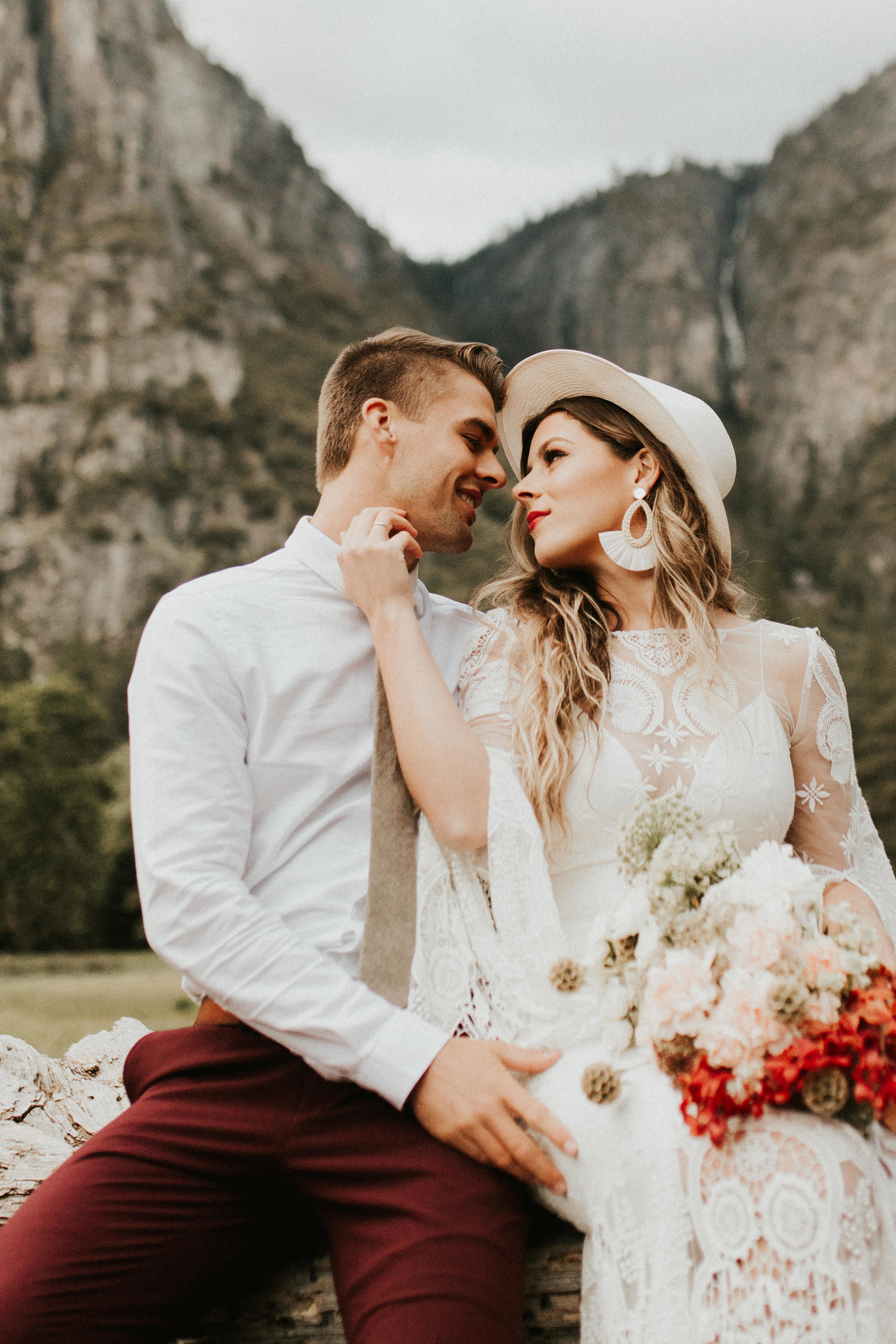 Yosemite_Elopement_Hannah_Alena_Photo_Portland_Wedding_Photographer-559.jpg