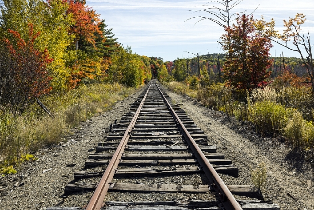 RailFall-48995v.jpg