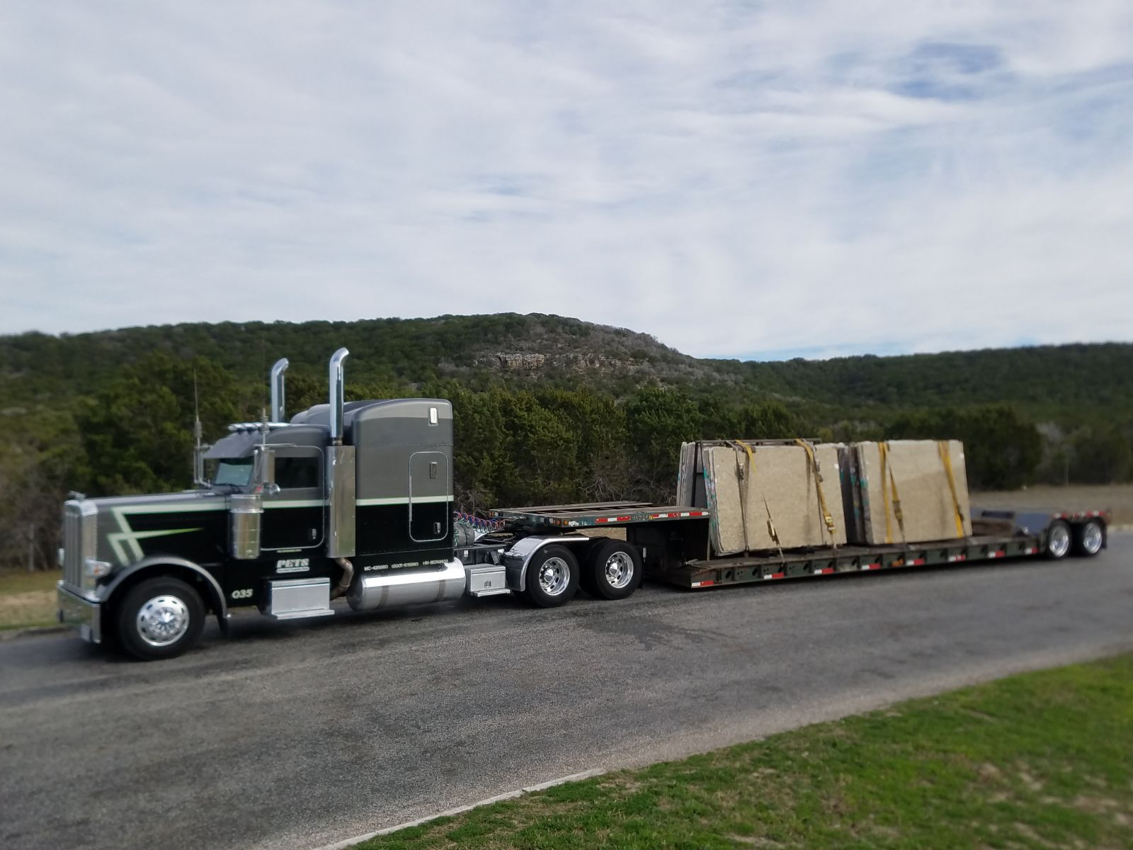 Don't have a 3 stage forklift. Let us send an ultra low trailer in order to ease the unloading process.