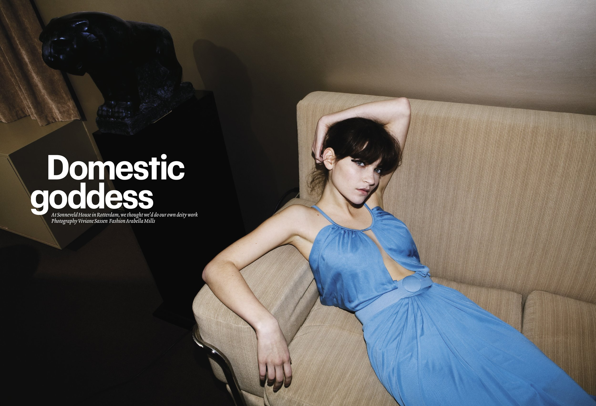 WALLPAPER - Viviane Sassen - Domestic goddess 1