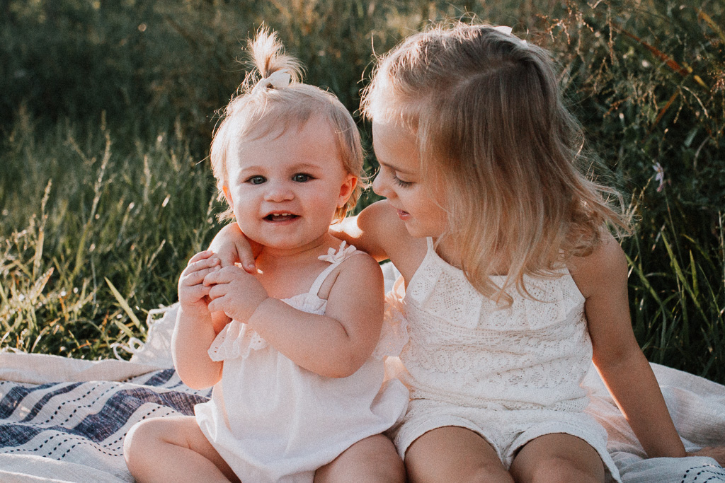 toddler sisters siblings family lifestyle photography Marti Austin Photography Rust Nature Sanctuary Leesburg Loudoun Virginia