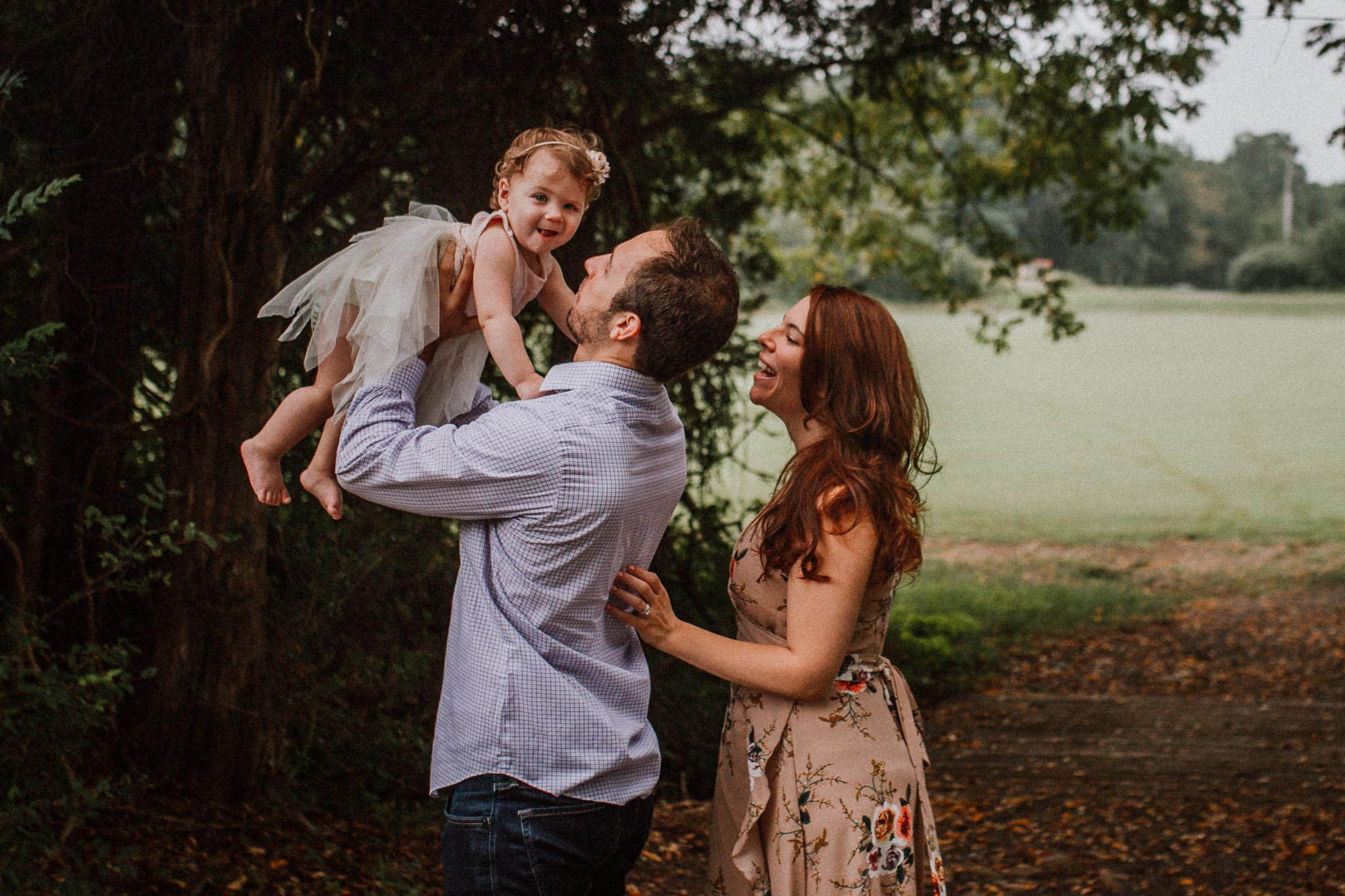 Father Daughter throw lift hold Sterling Virginia Claude Moore Park Lifestyle Family Marti Austin Photography