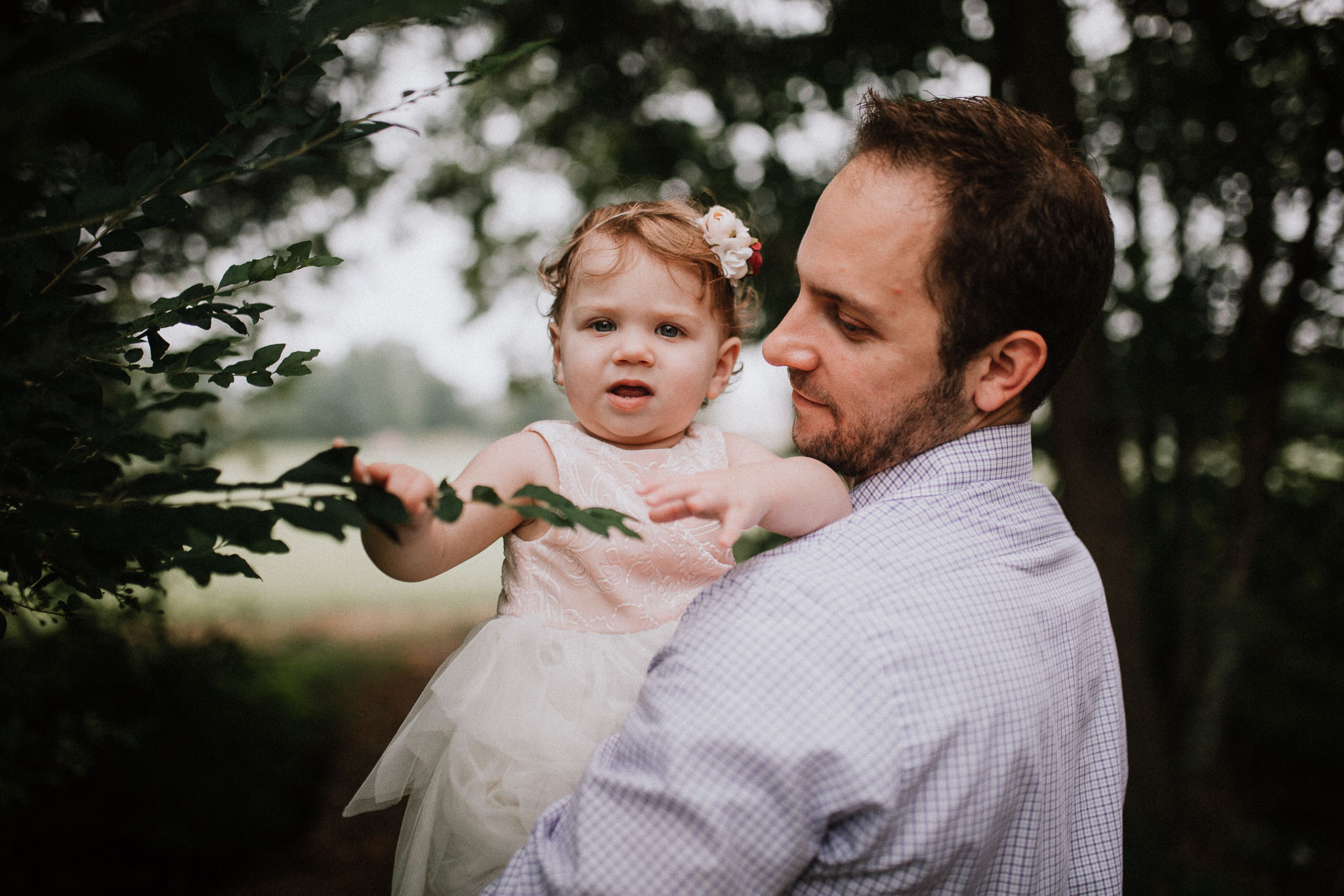Father daughter Sterling Virginia Claude Moore Park Lifestyle Family Marti Austin Photography